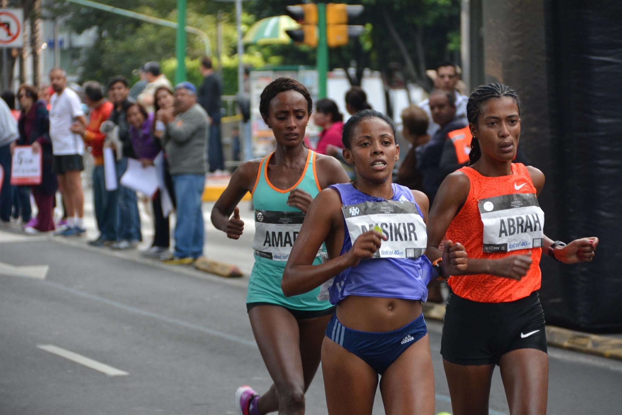 Mexico City Marathon II by Manuel Villanueva