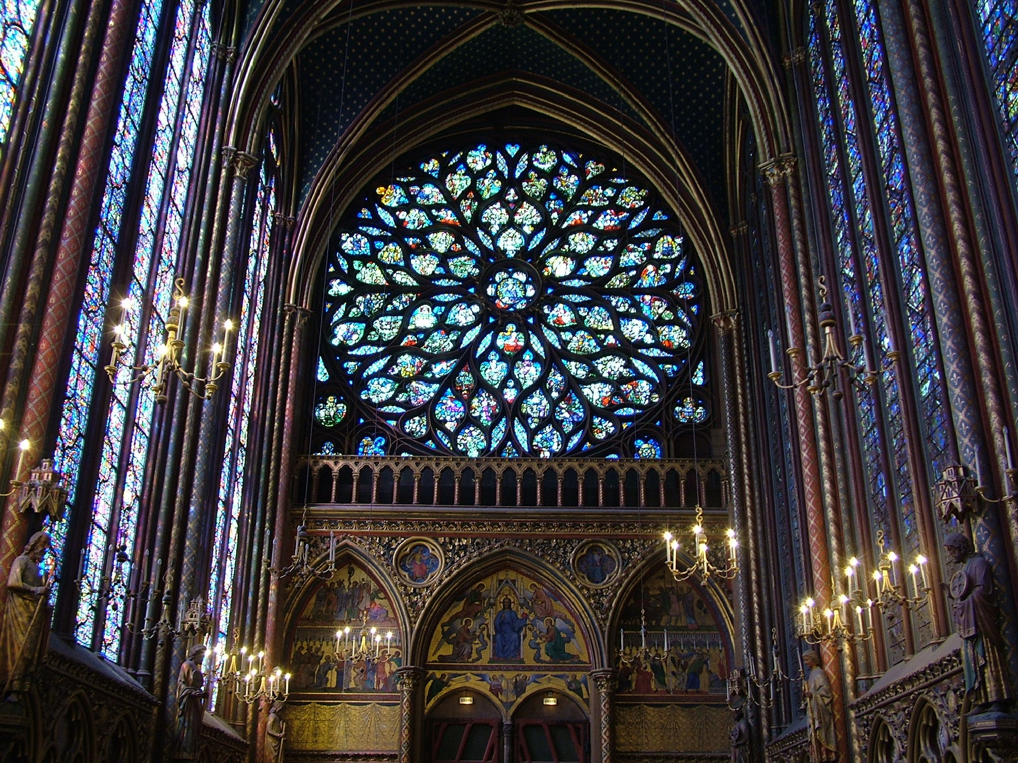 St Chapelle, Paris by Manuel Villanueva