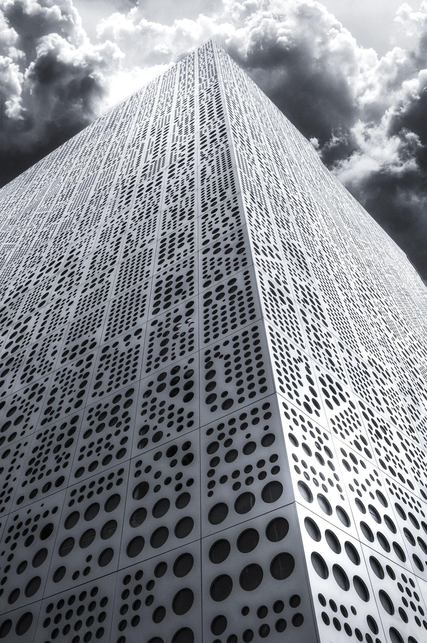 La Torre by Juan Carlos Arranz