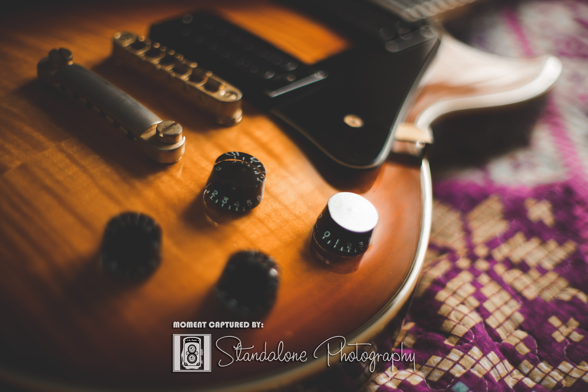 Spear LP RD250 Tobacco Burst. by Standalone Photography