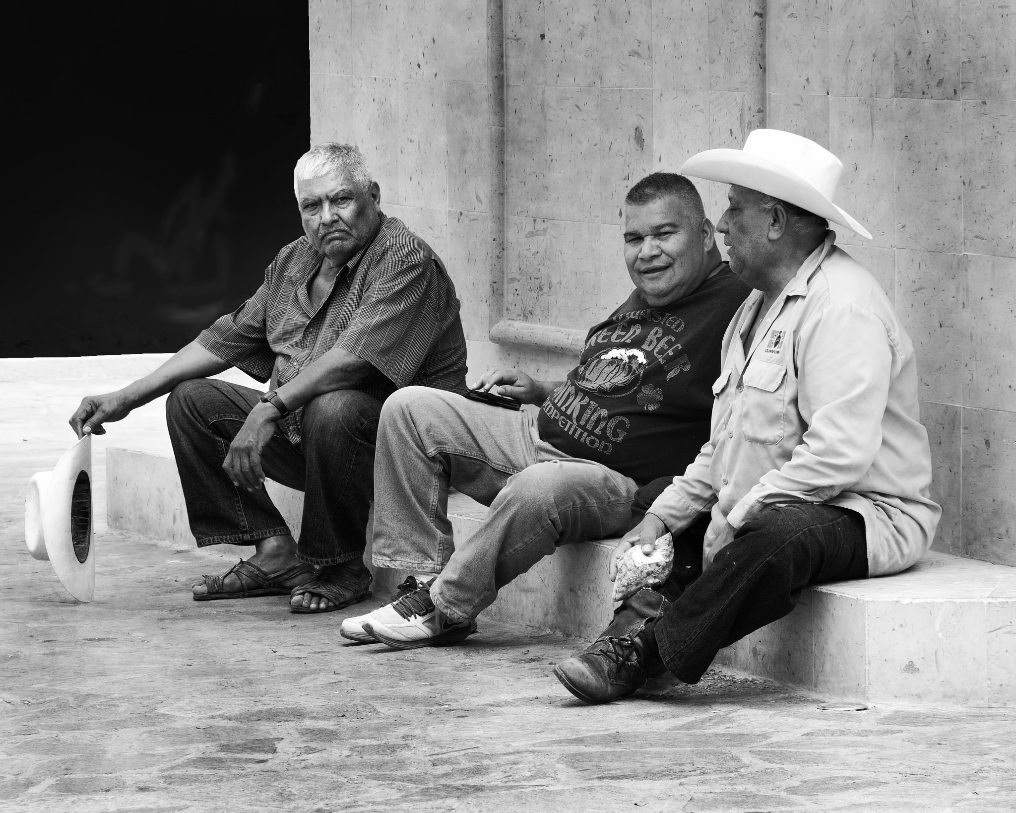 Amigos on the Stoop by Bobjb
