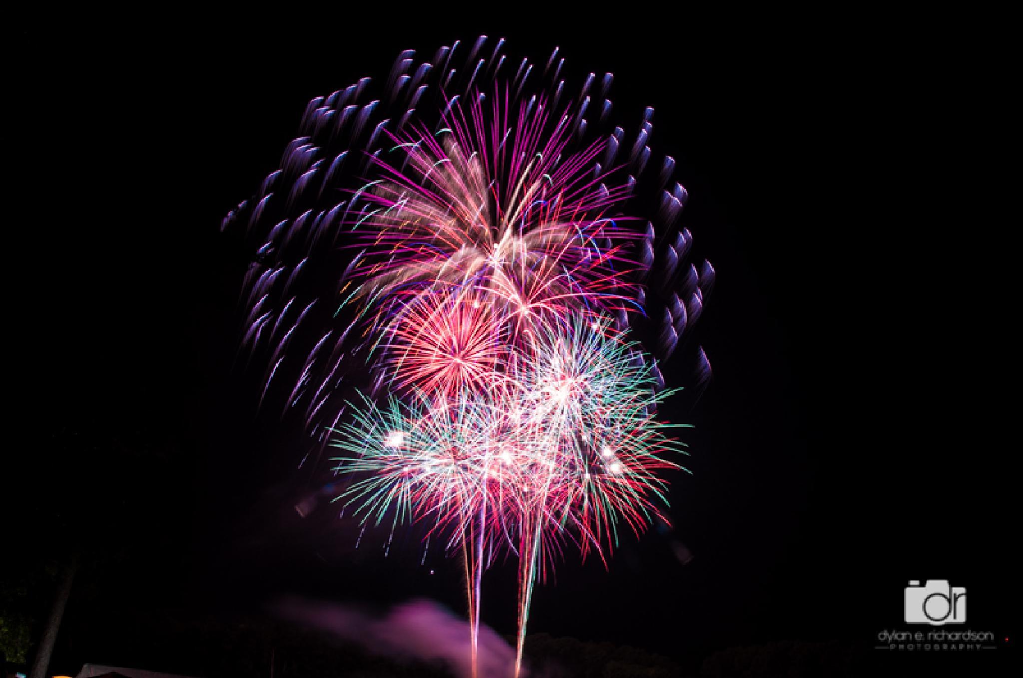 Fireworks 2283 by dronline841