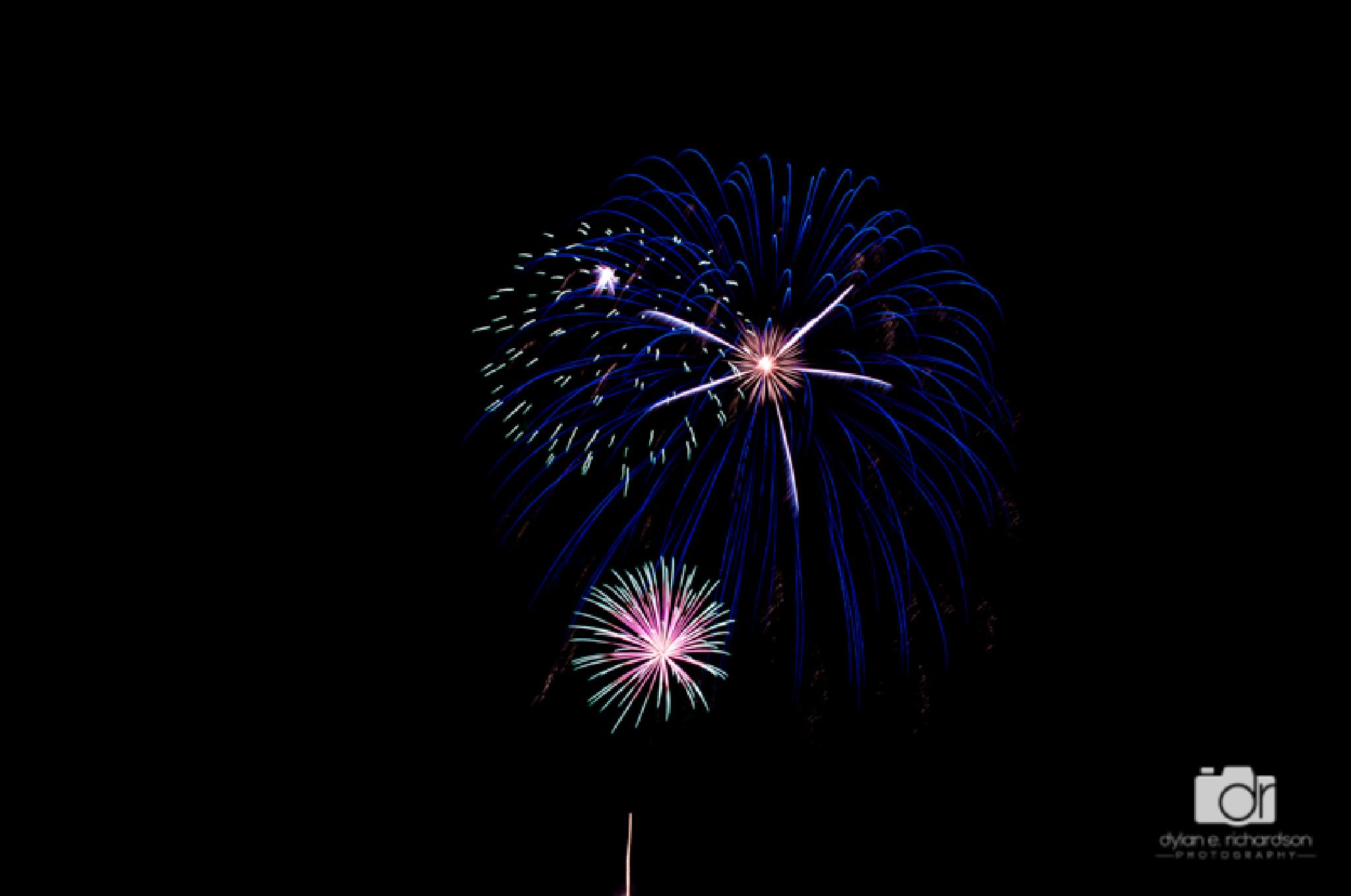 Fireworks 2271 by dronline841