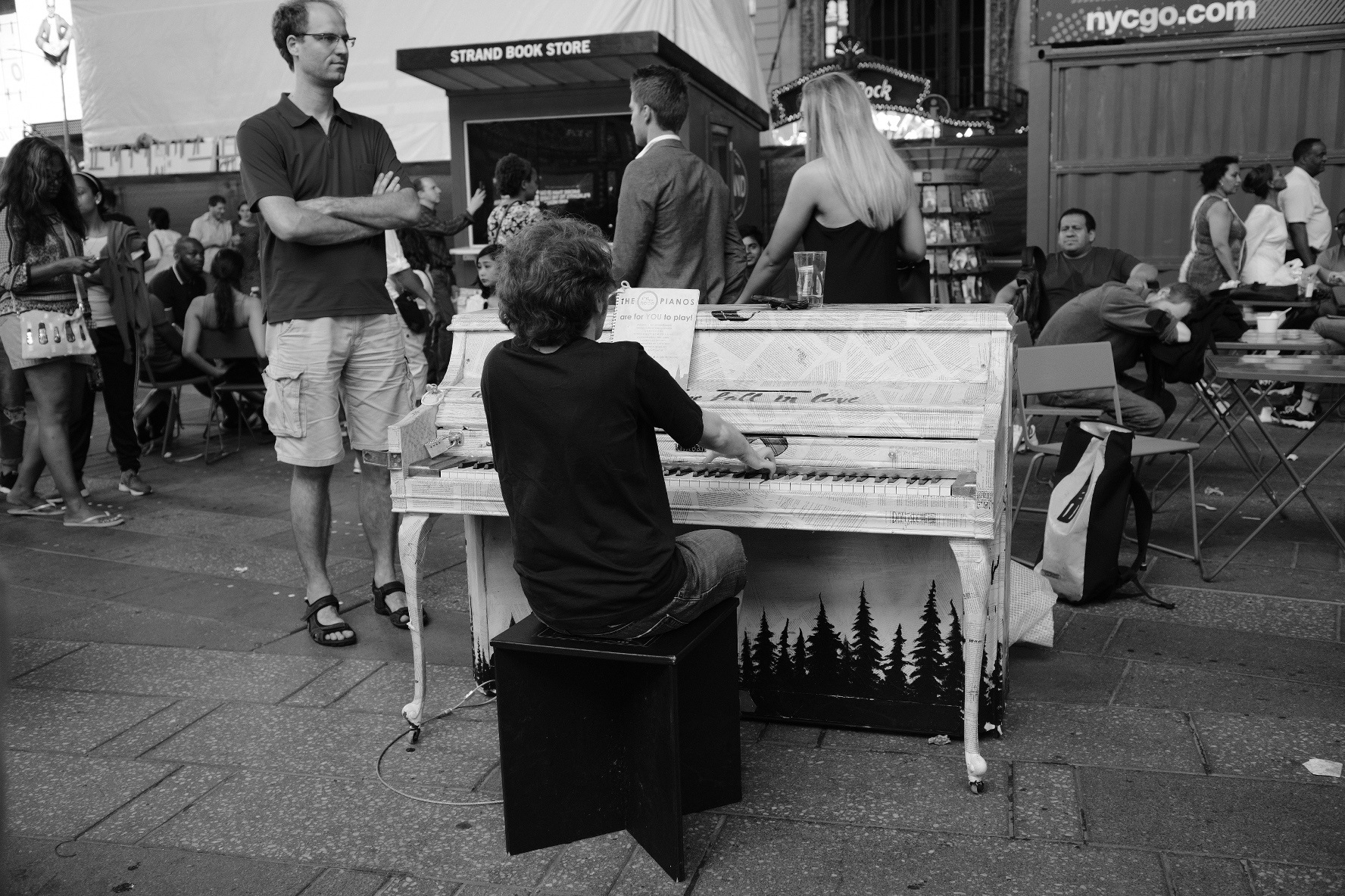 Piano Man by Daggy