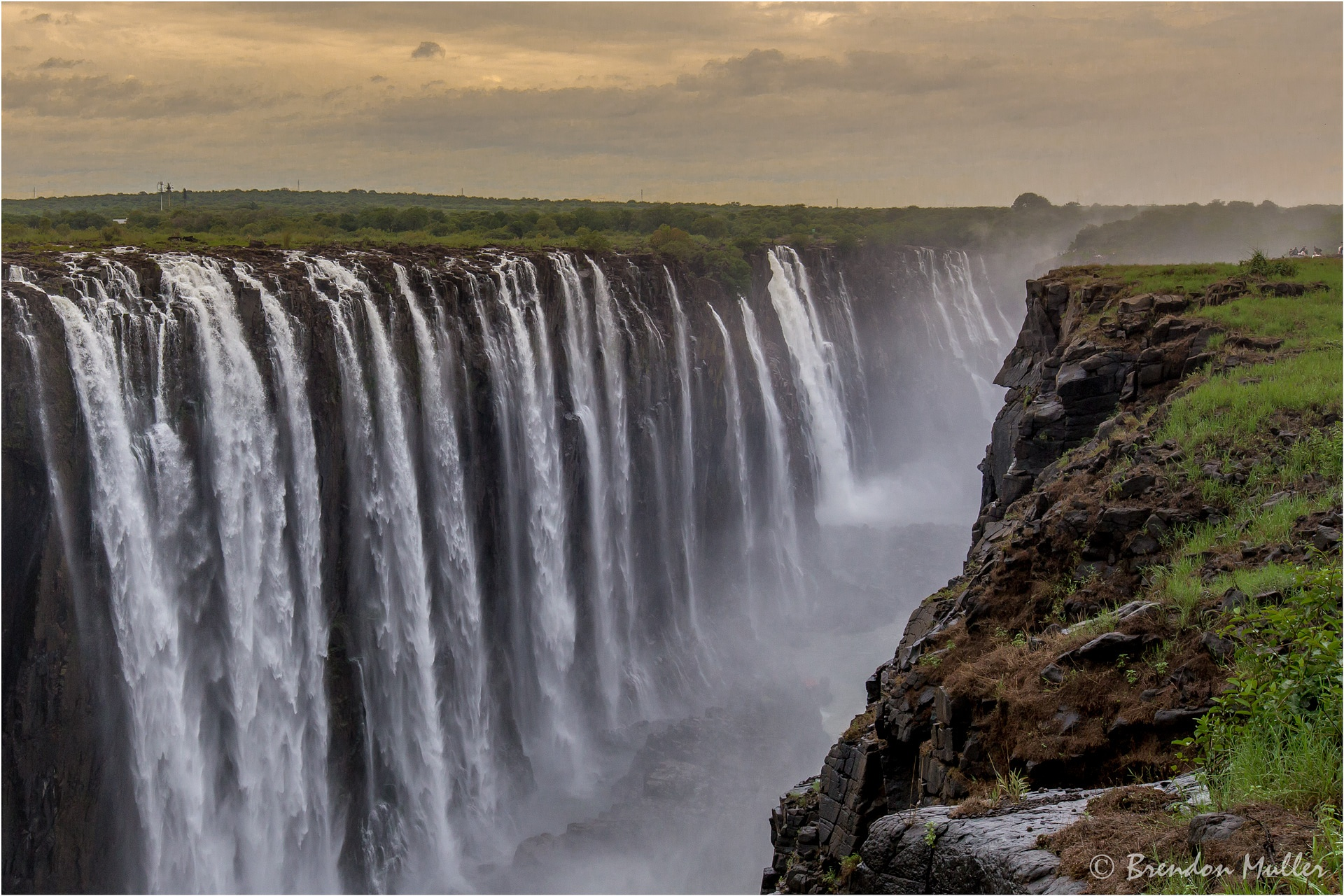 Victoria Falls by Brendon Muller