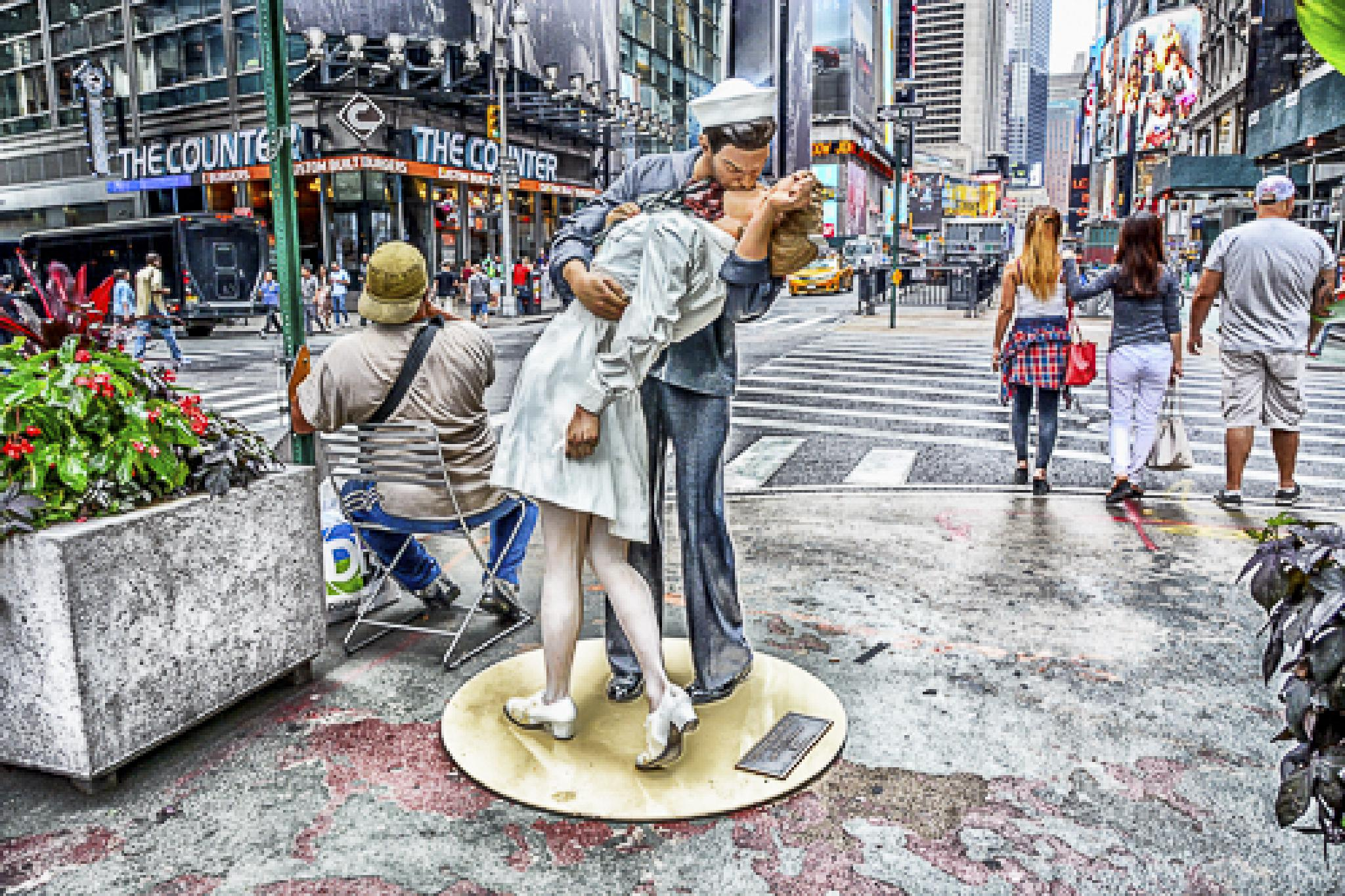 The Kiss by Sharon Winter-Schorr