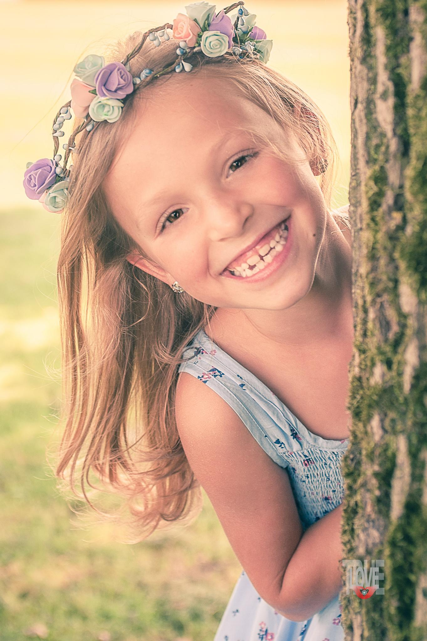 What a smile can do  by truelovefotografie
