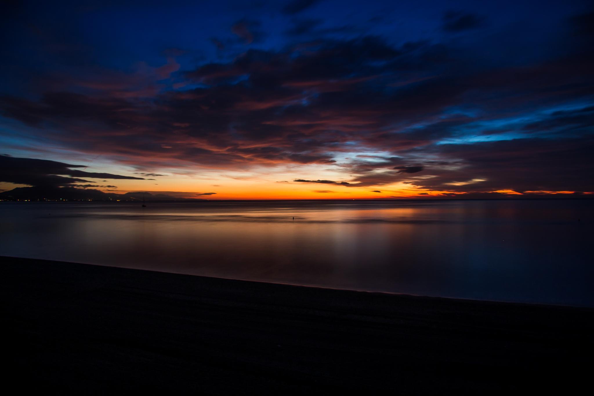 Sunrise at Manilva by stephenhops