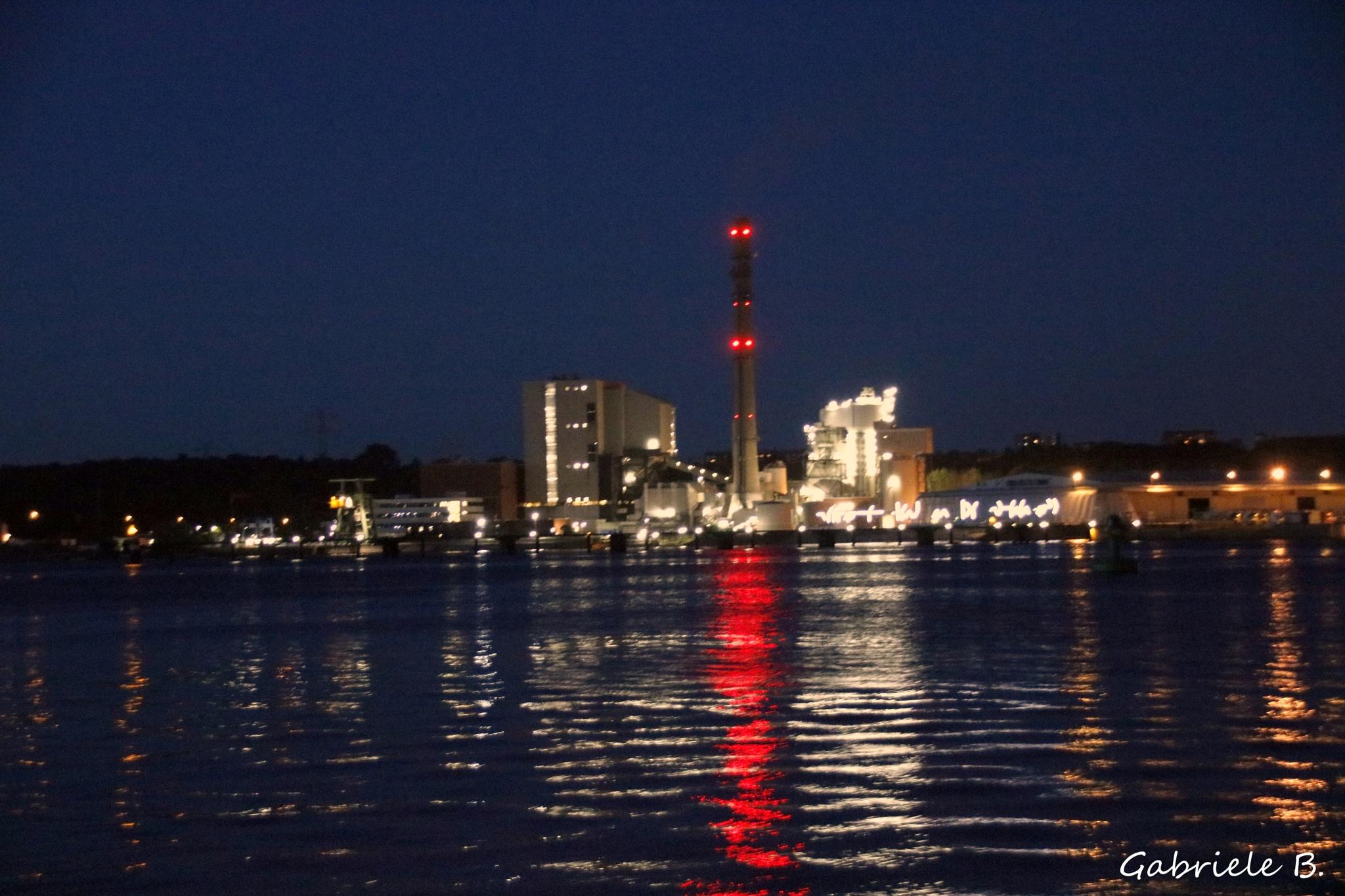 Coal power station  Port of Kiel by gabrielehelenebittner