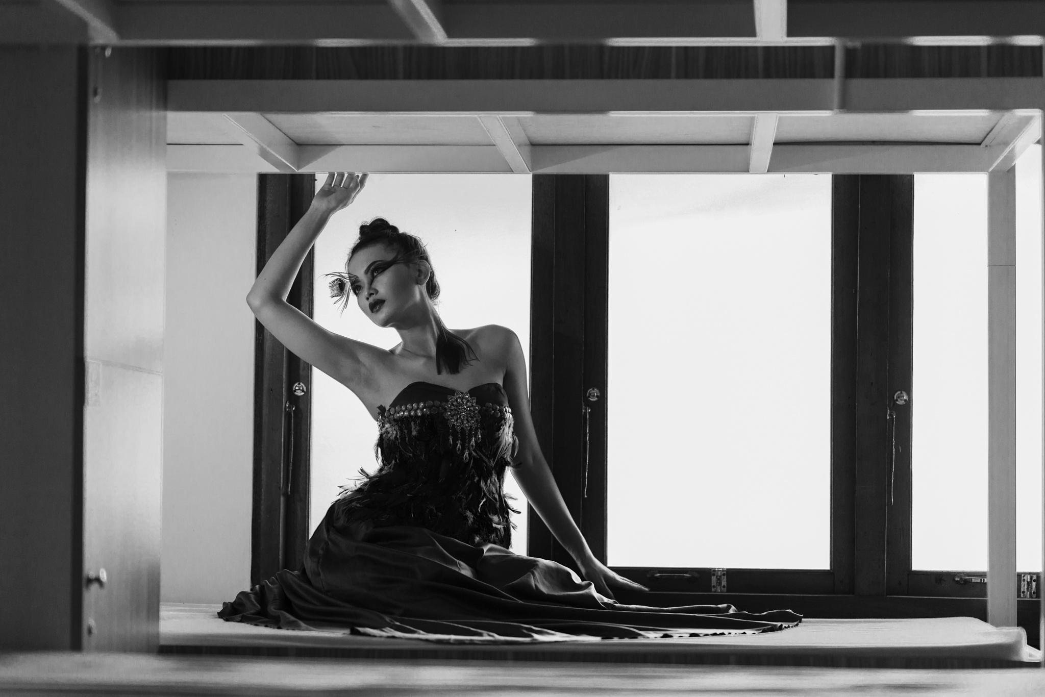 Leonora 2 by Adjie djie