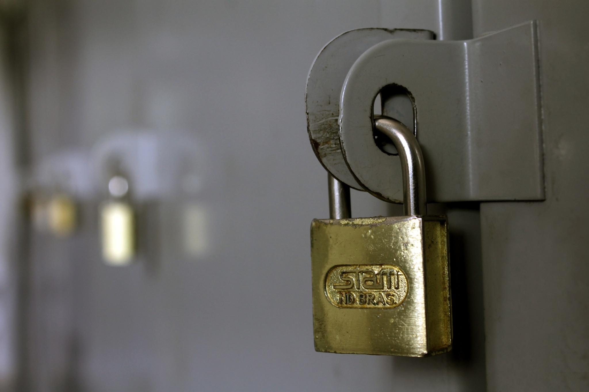 locked by Gadini