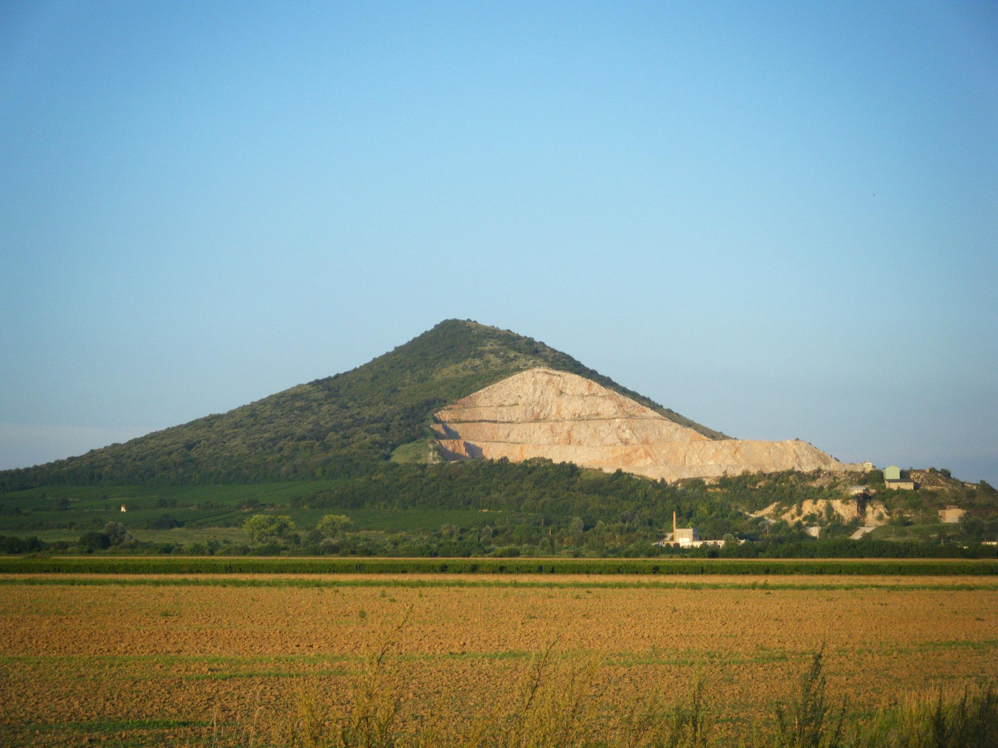 Villany mountain by Nikolett Rostási