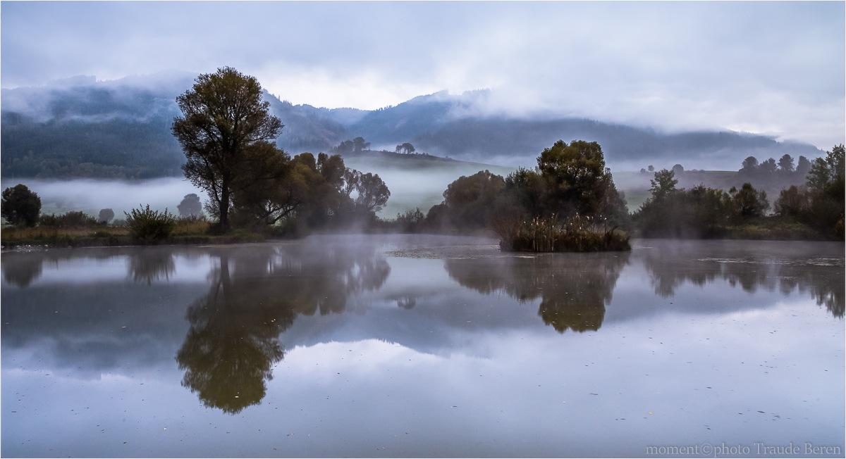 Herbst Morgen by Traude Beren