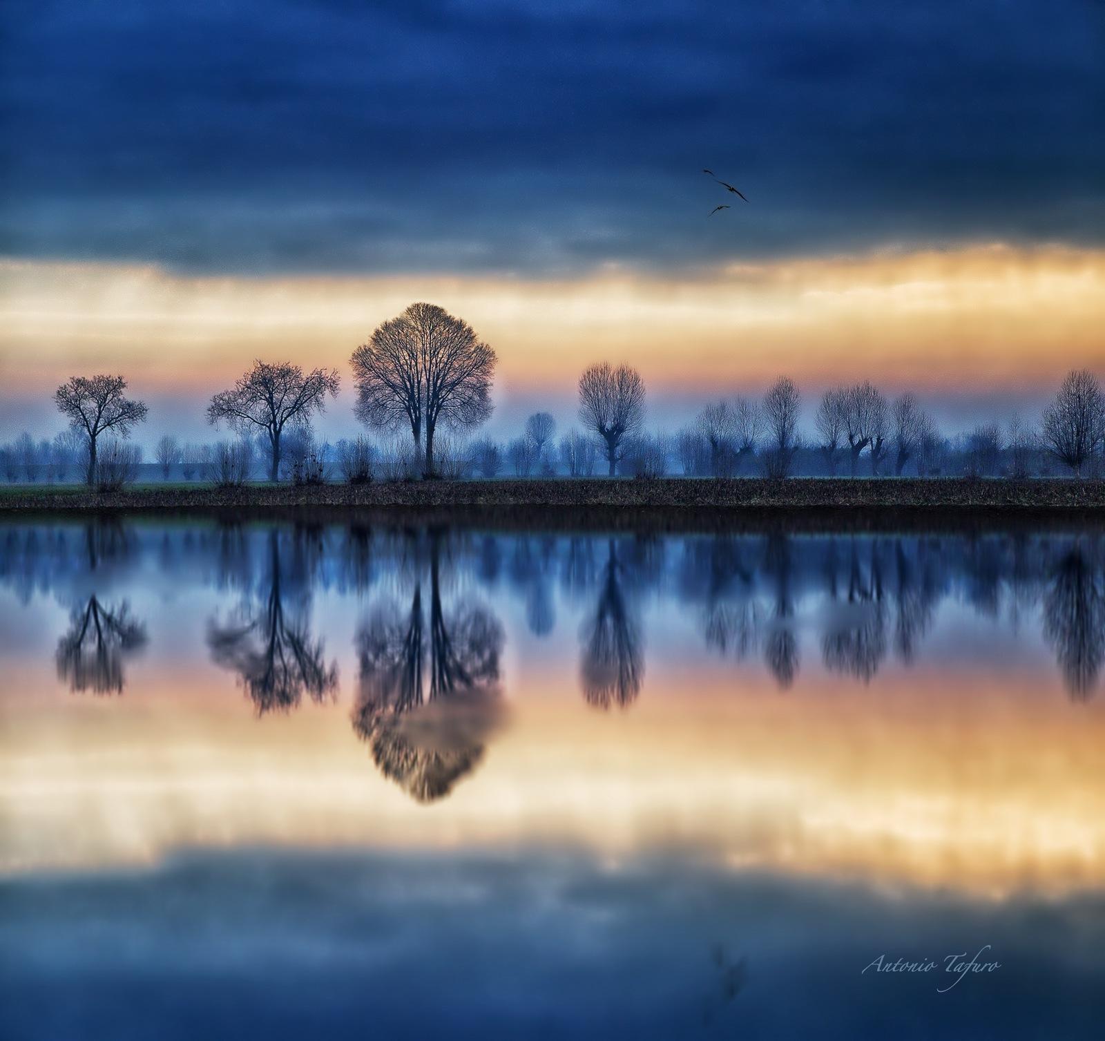 hues of a sunrise by Antonio Tafuro
