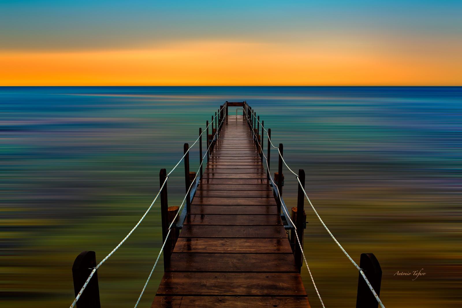footbridge on infinity by Antonio Tafuro