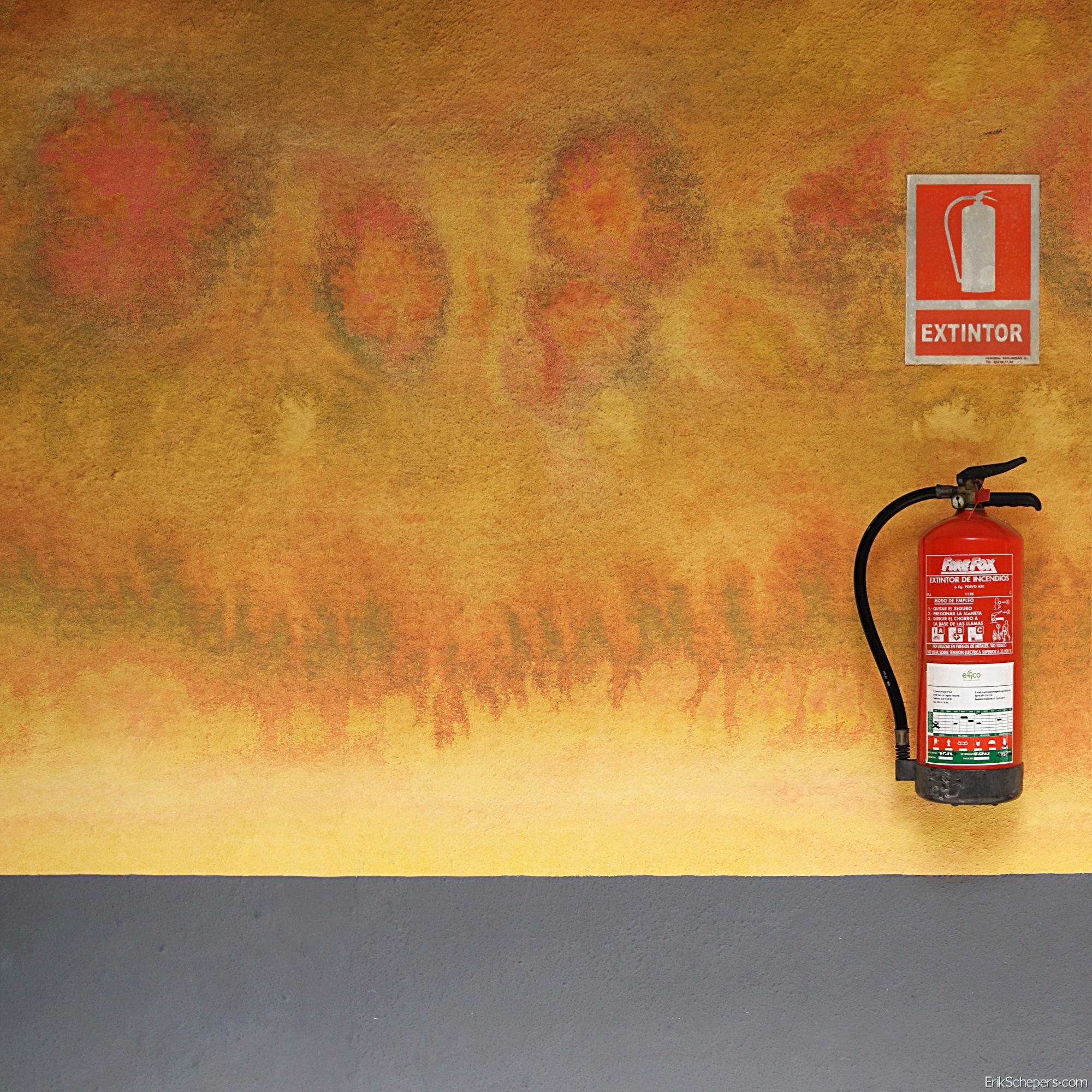 Extintor by Erik Schepers