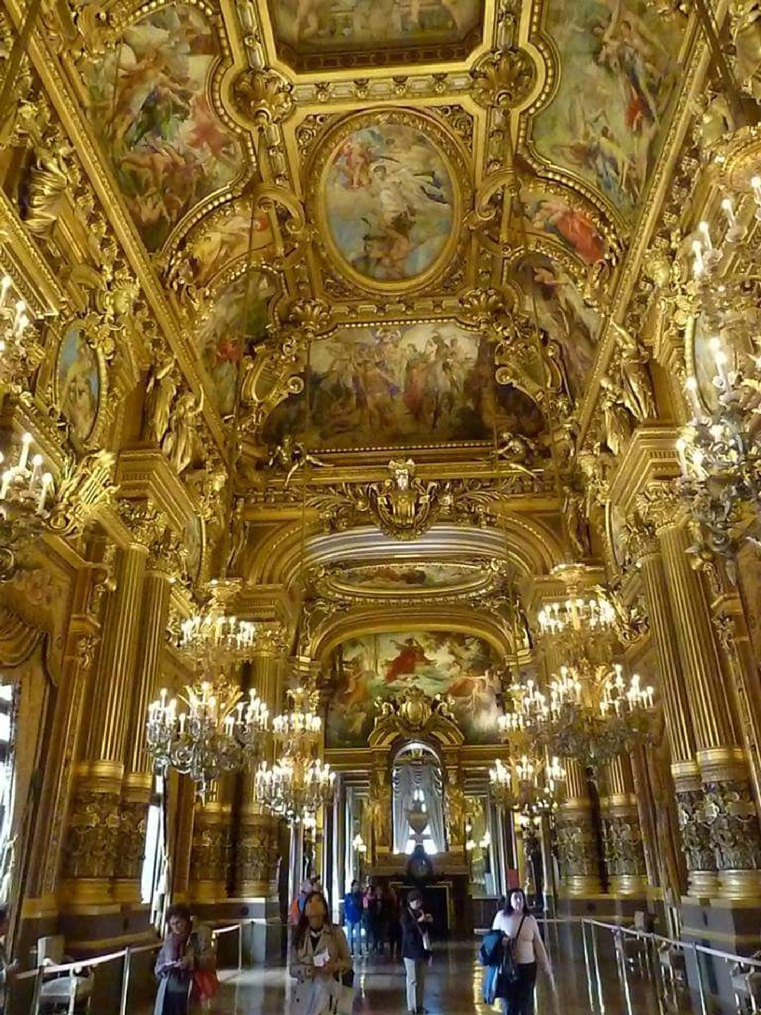 Opera de Paris by JoseGarrucho