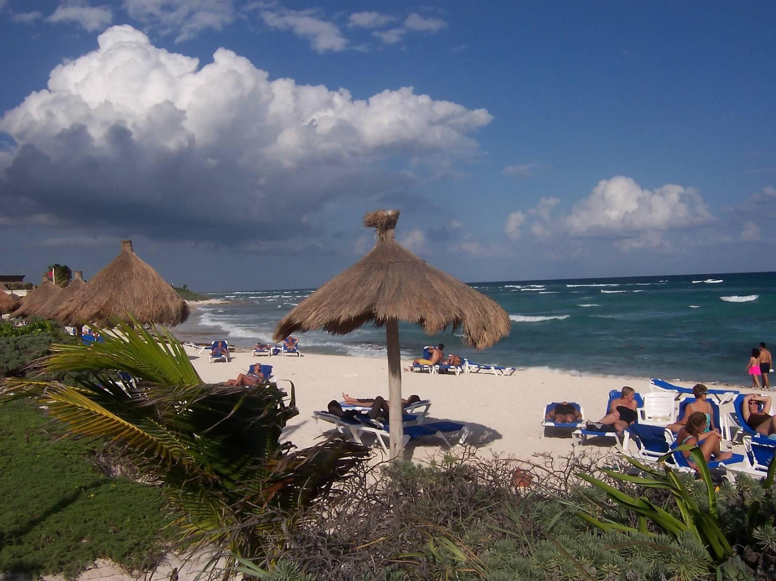Cancun Beach by Frank Morris