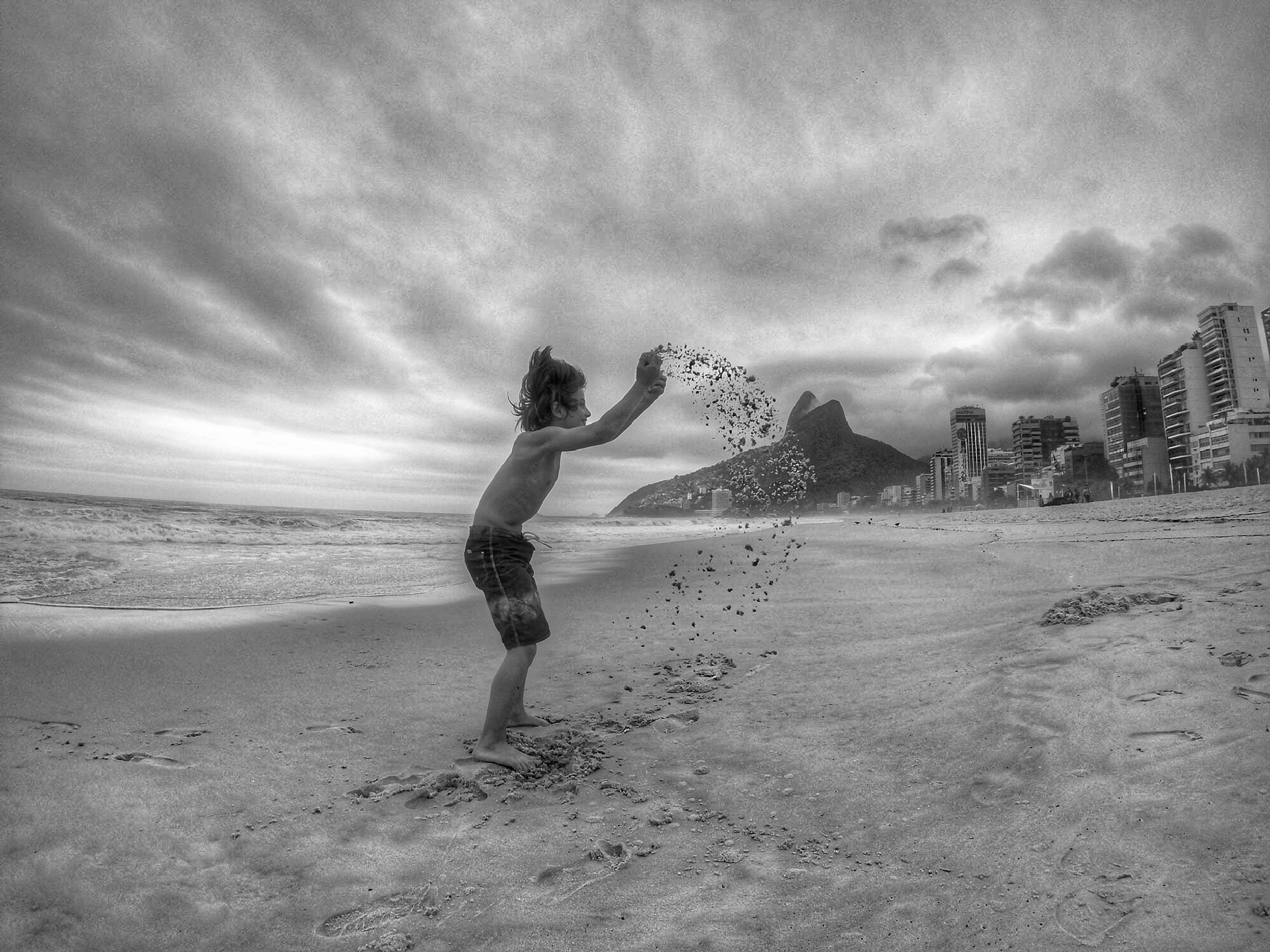 cloudy days by Marcelo Zal Riani
