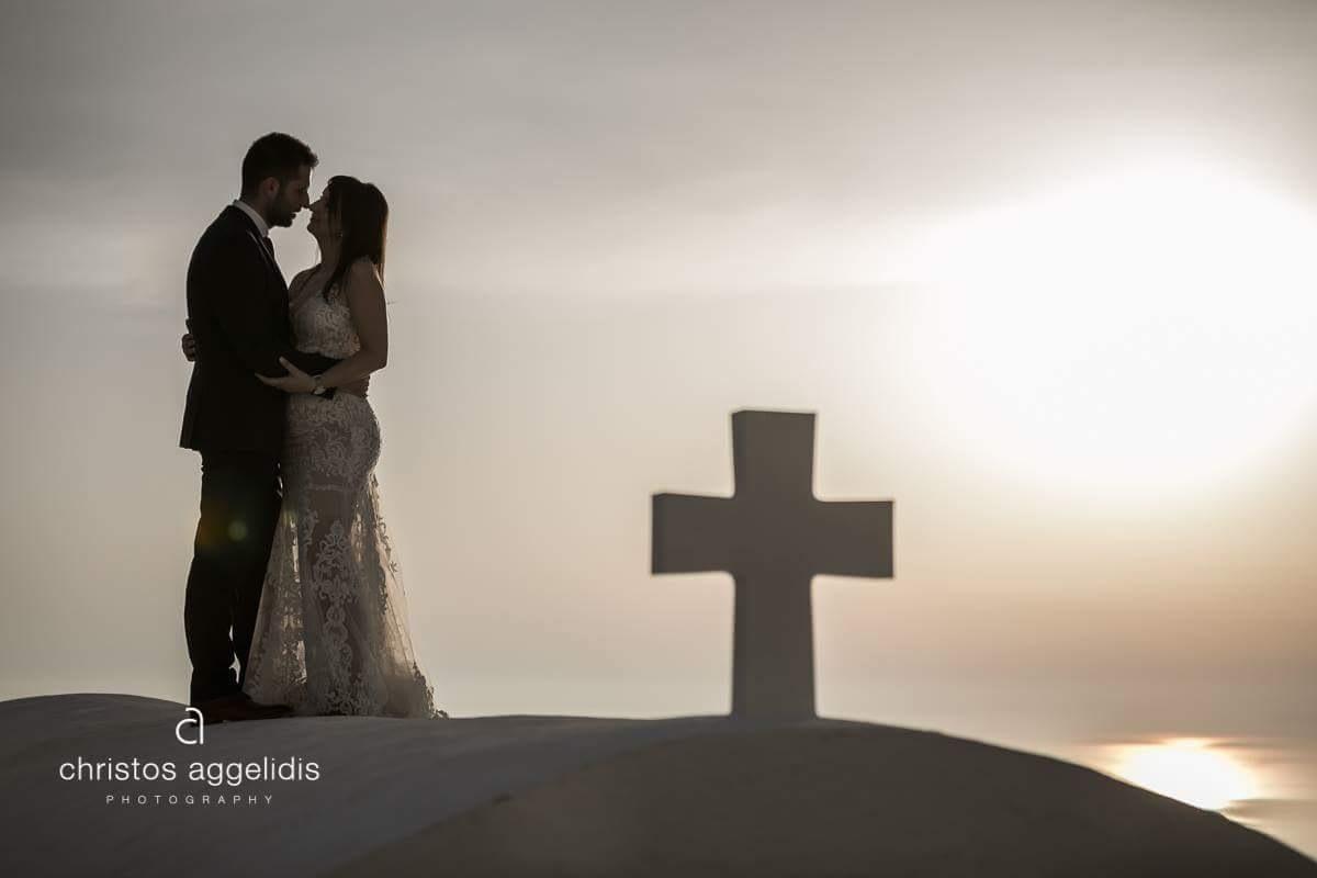 Island wedding by Christos Aggelidis