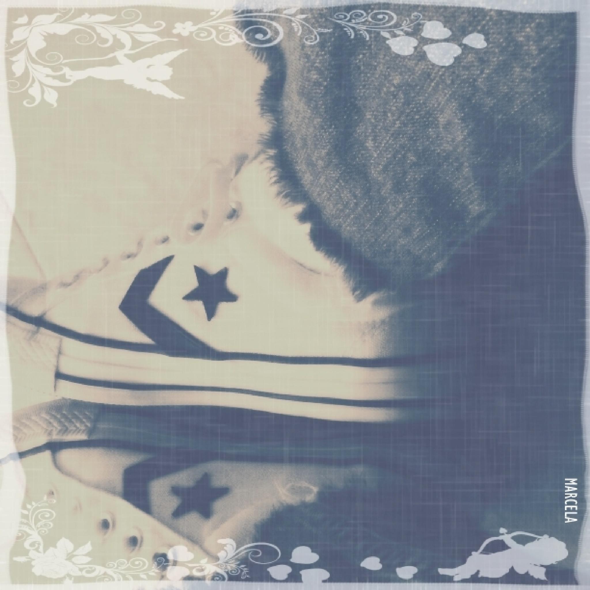 Converse... by Marcela Maciel