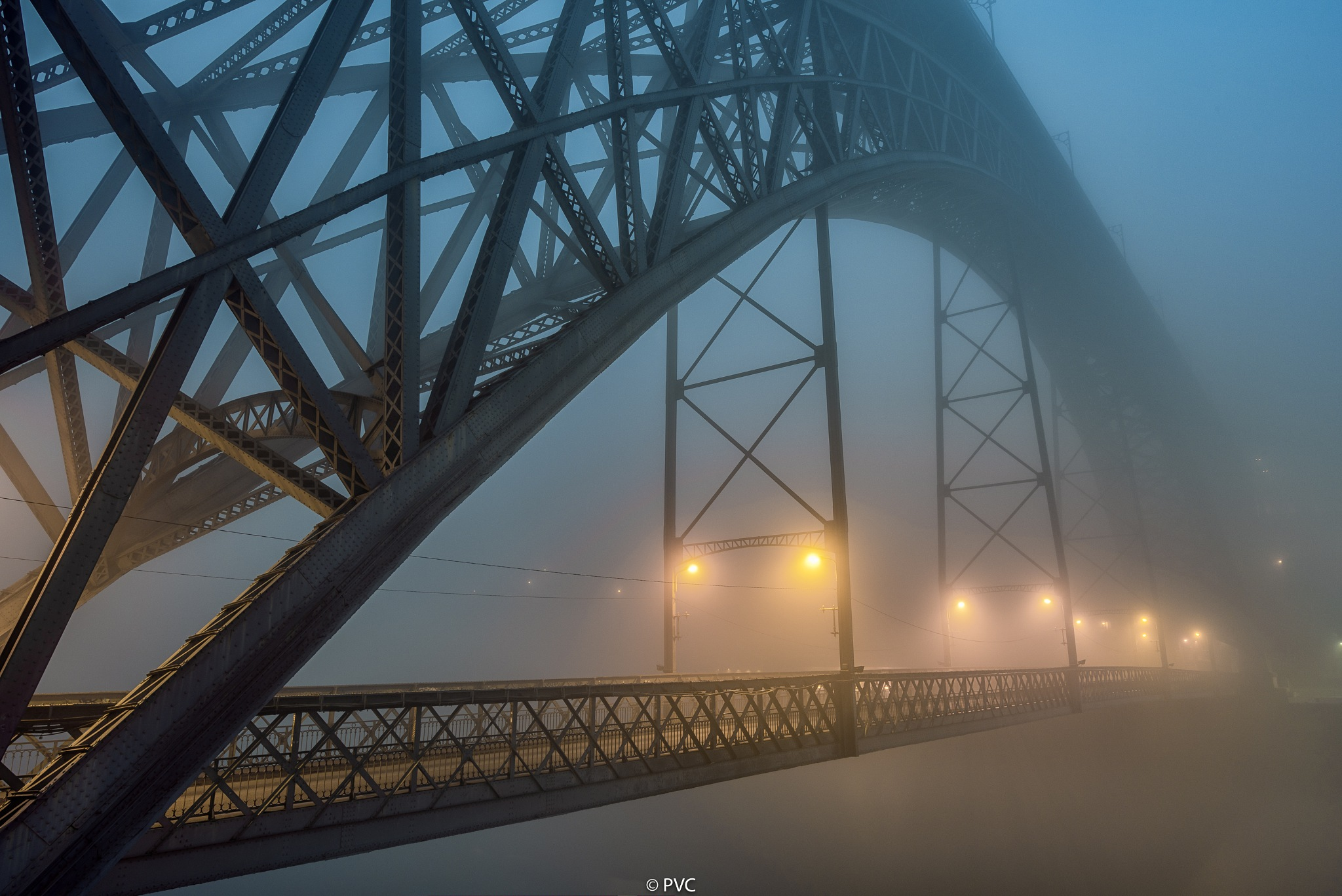 Foggy crossing by Paulo Valor