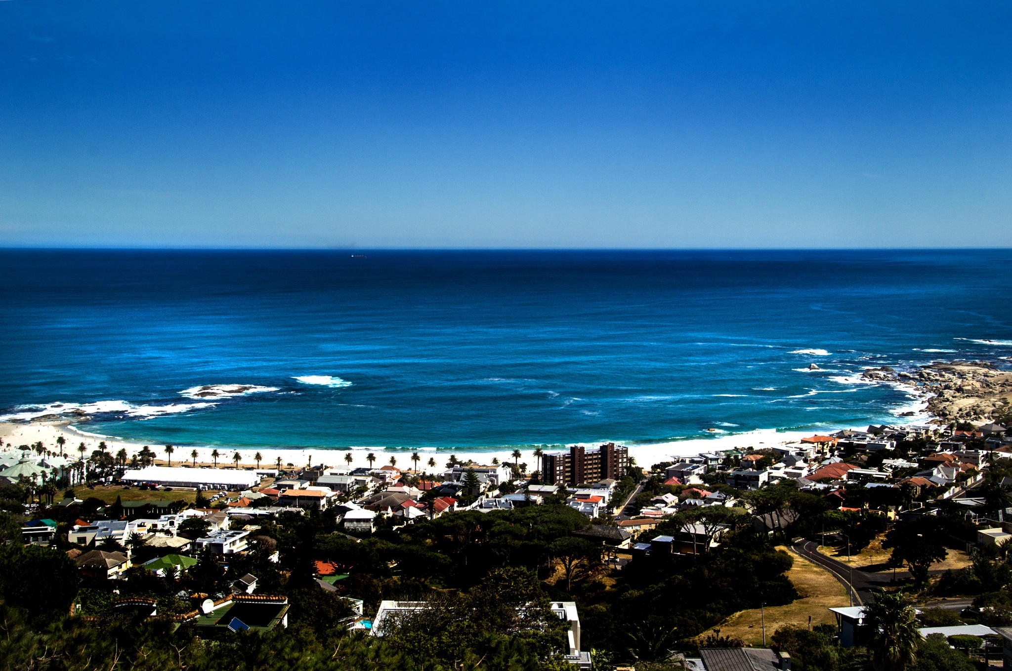Camps Bay by Nauta Piscatorque