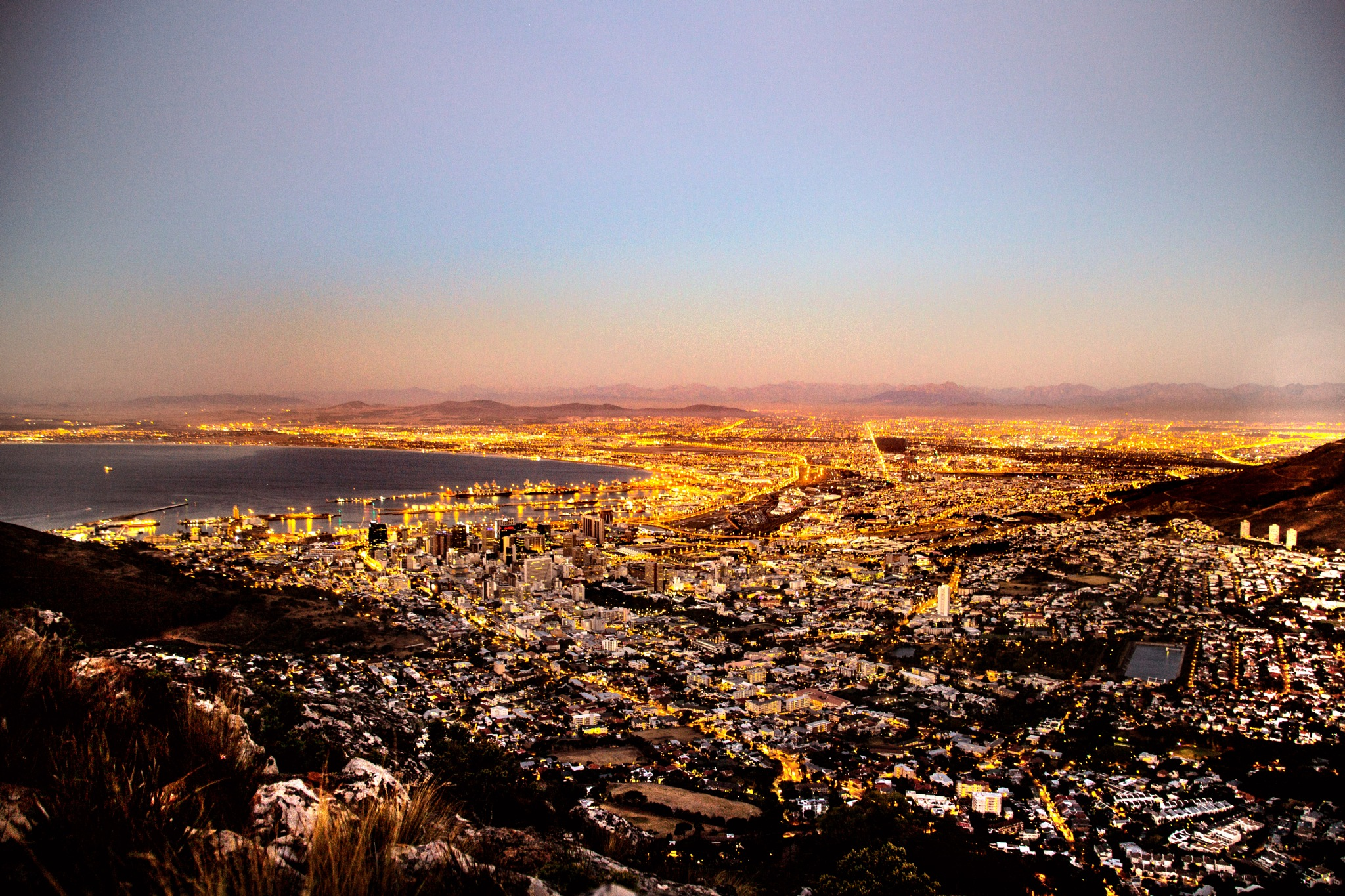 The City of Cape Town and its northern suburbs by Nauta Piscatorque