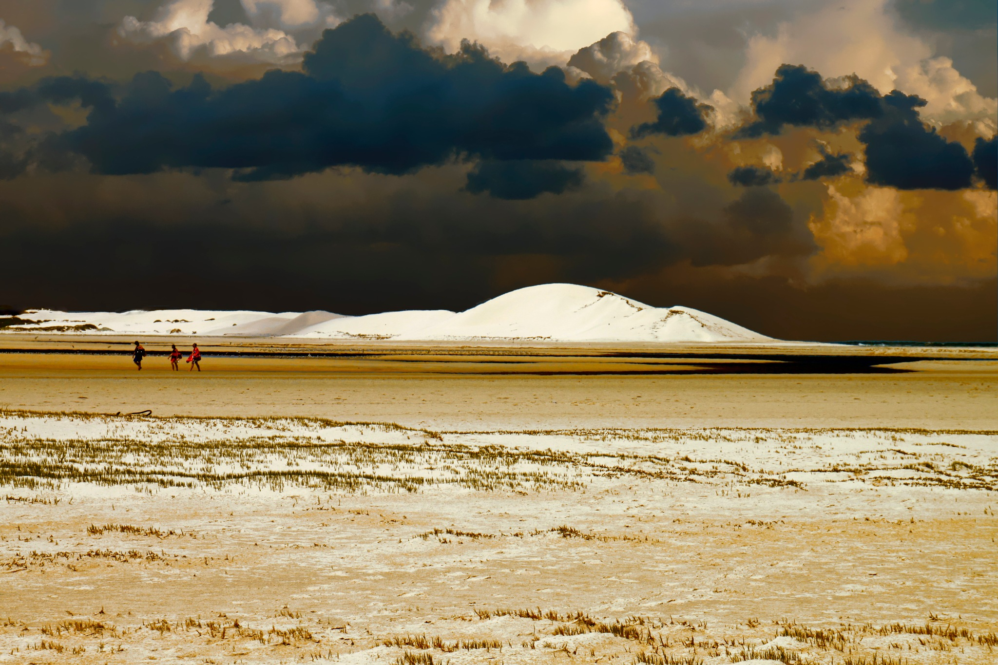 Dune with storm clouds by Nauta Piscatorque