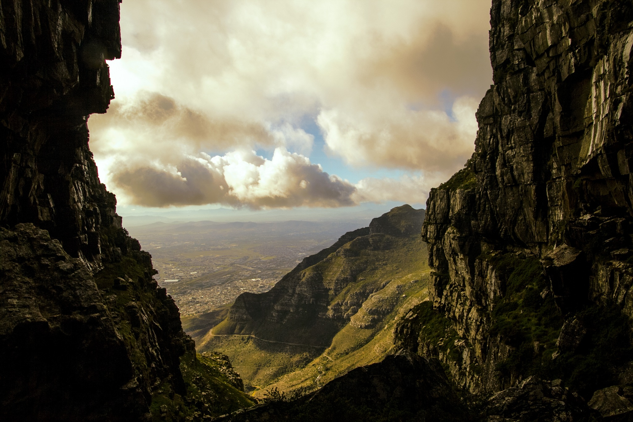 At the top of Platteklip Gorge by Nauta Piscatorque