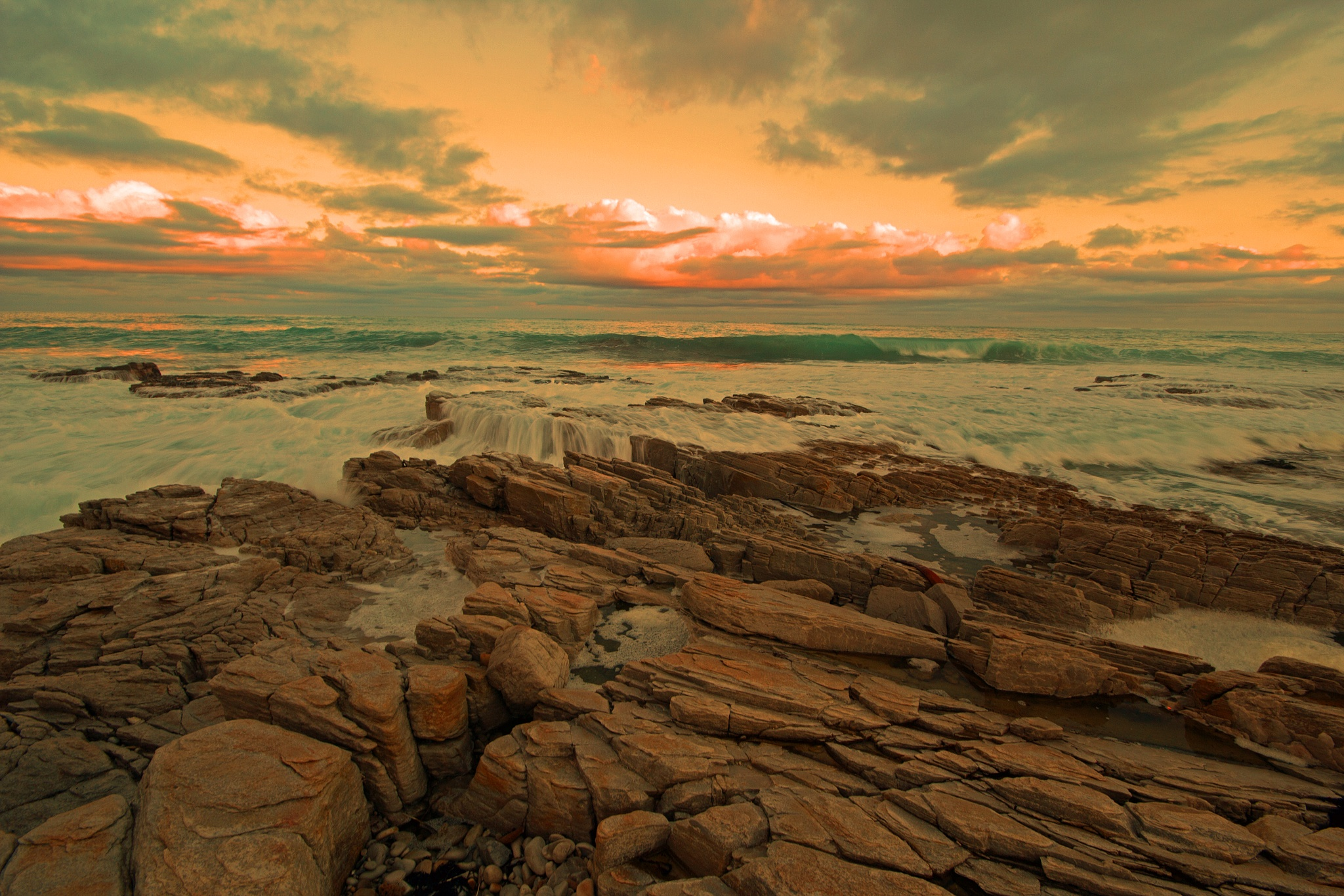 Waves and clouds by Nauta Piscatorque
