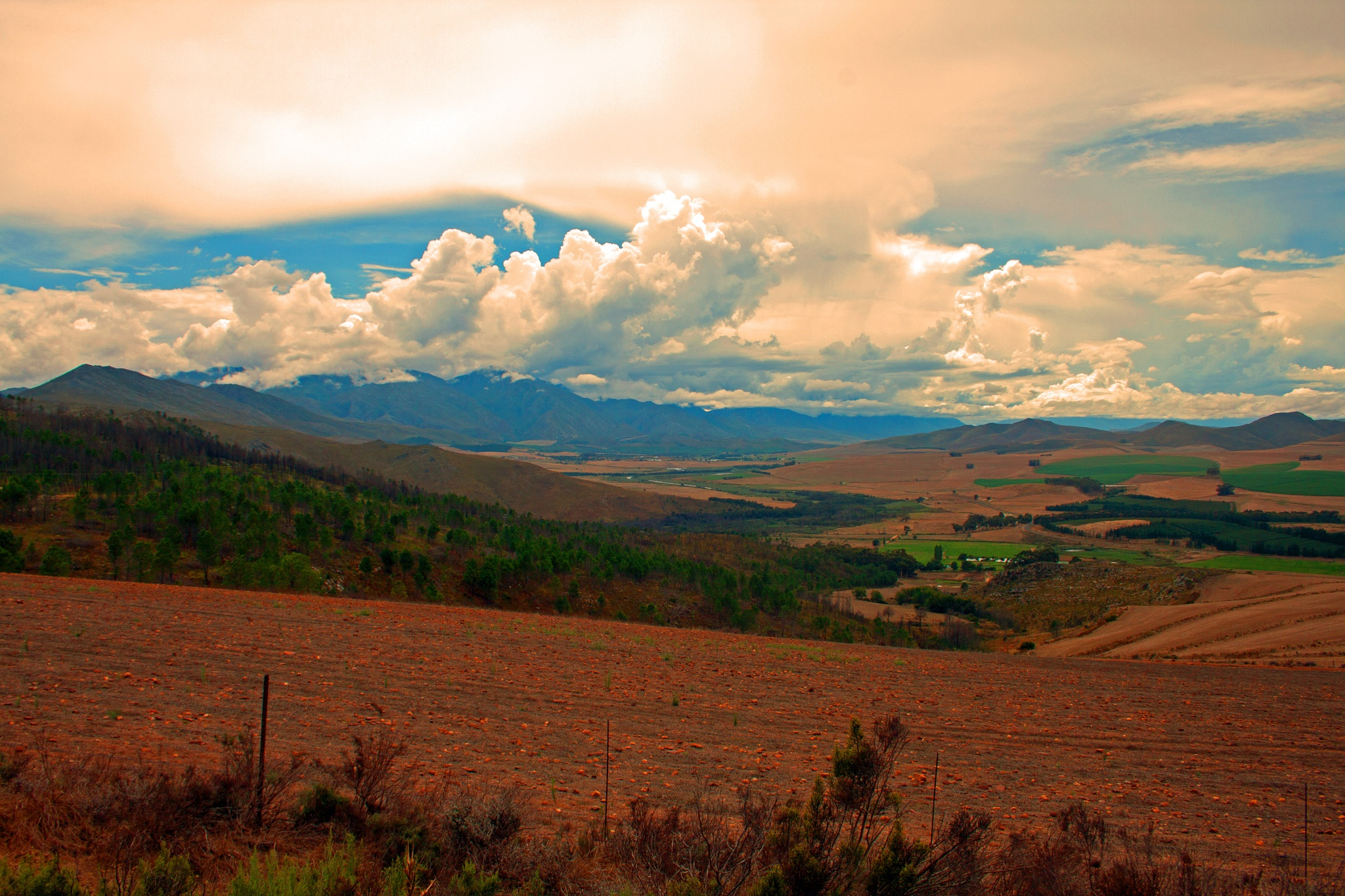 Cloudy countryside by Nauta Piscatorque