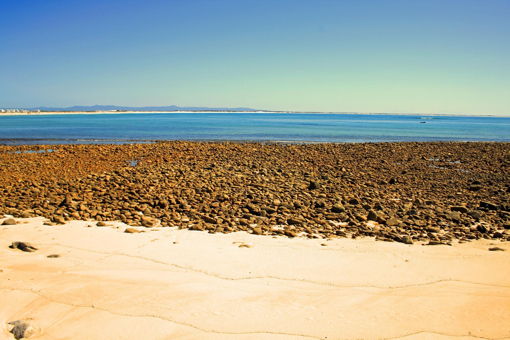 stoney shore by Nauta Piscatorque