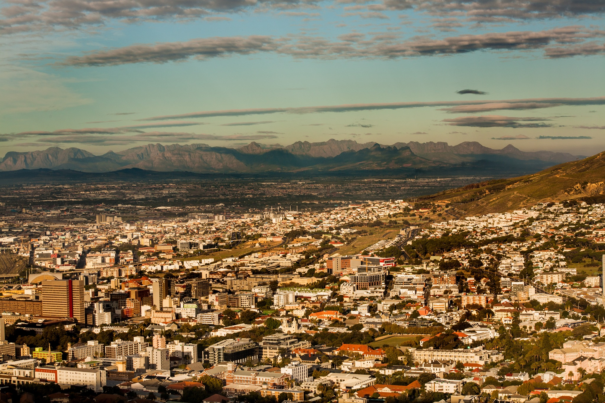 City of Cape Town - a bird's eye view by Nauta Piscatorque