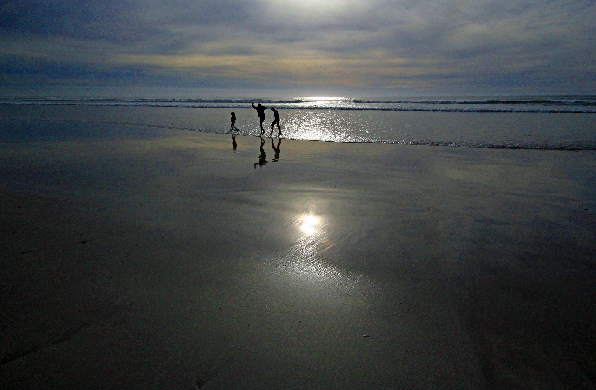 Fun at sunrise by Nauta Piscatorque