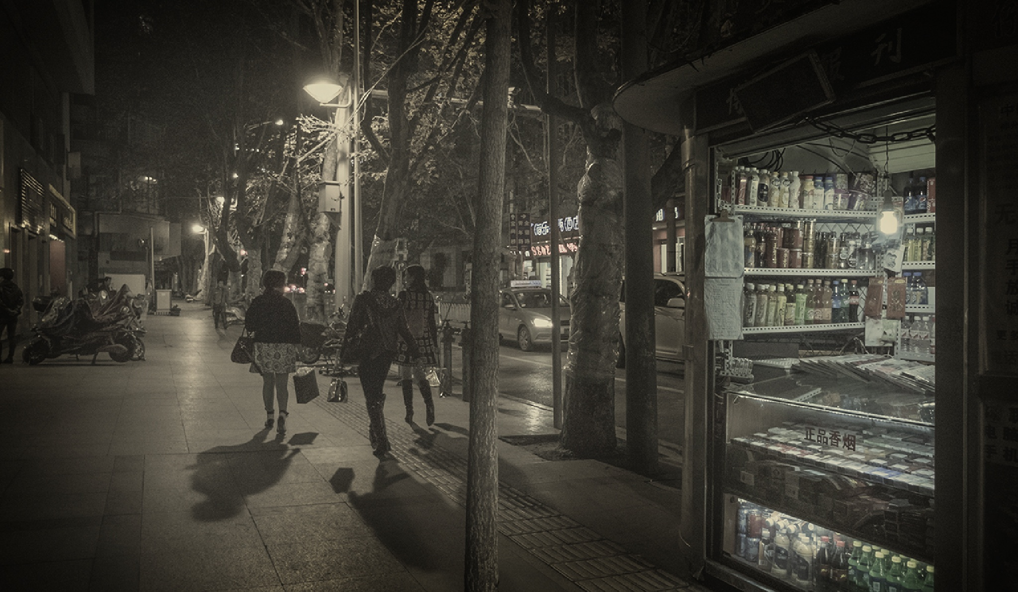 Streets of Kunming by kampuazhang