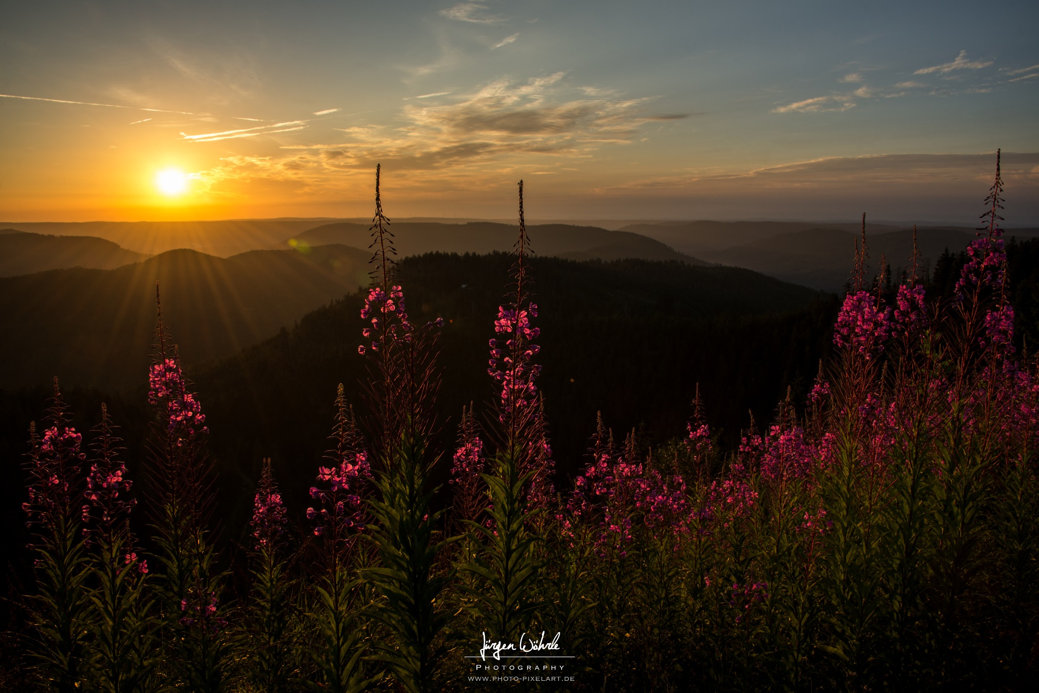 Sunrise by Jürgen Wöhrle by Photo-Pixelart