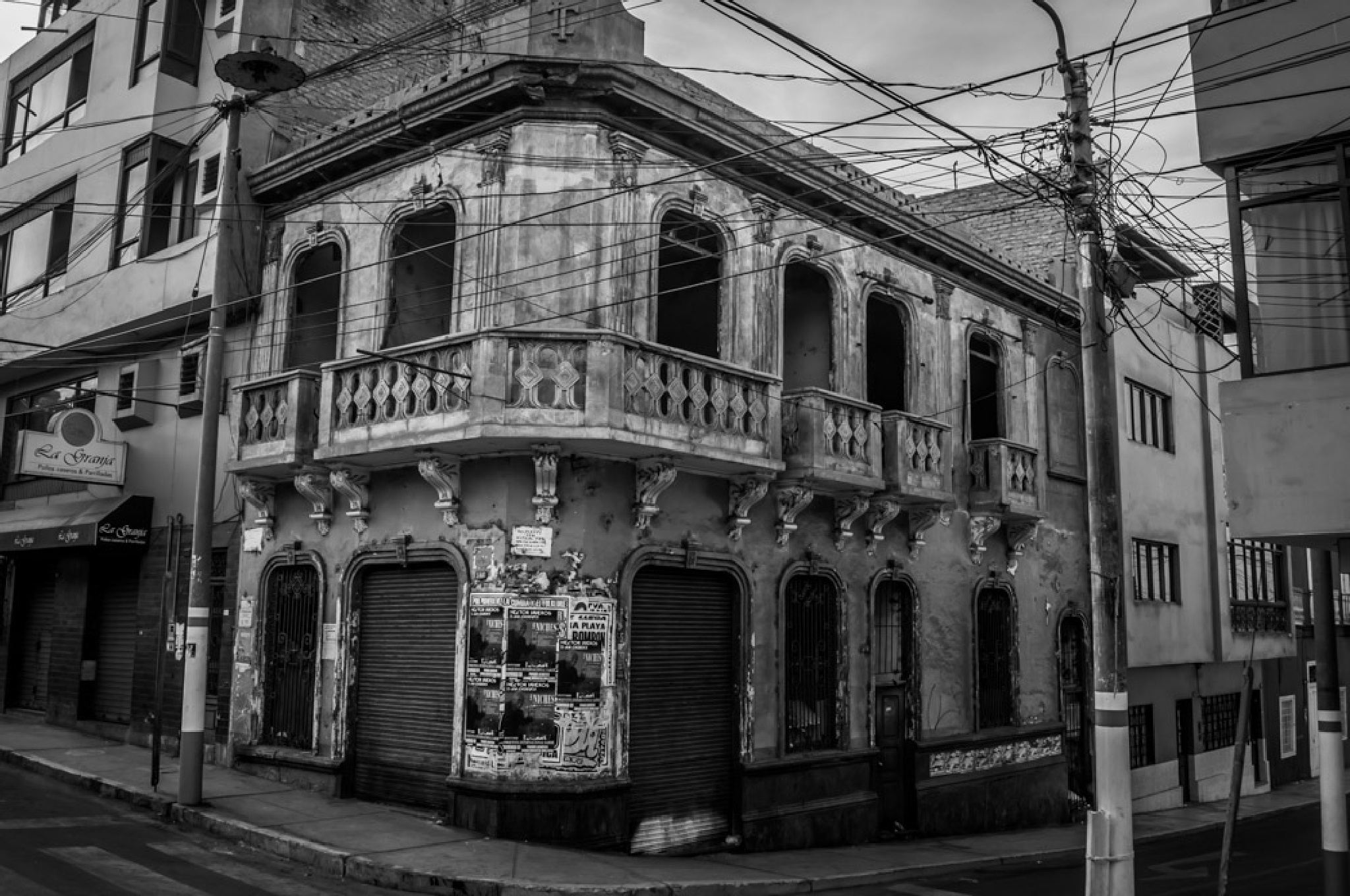 Abandoned. by Gustavo1965