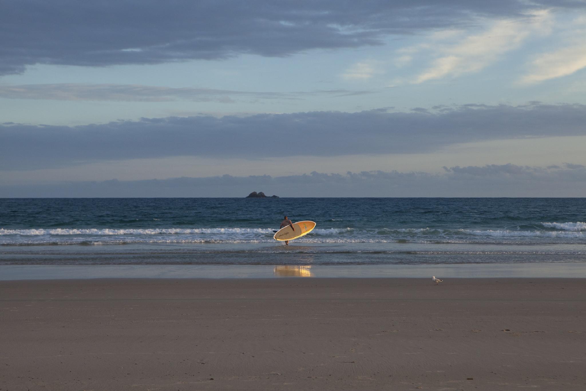 Paddle Boarding to Julian Rocks, Sunrise by JaneCampbell21