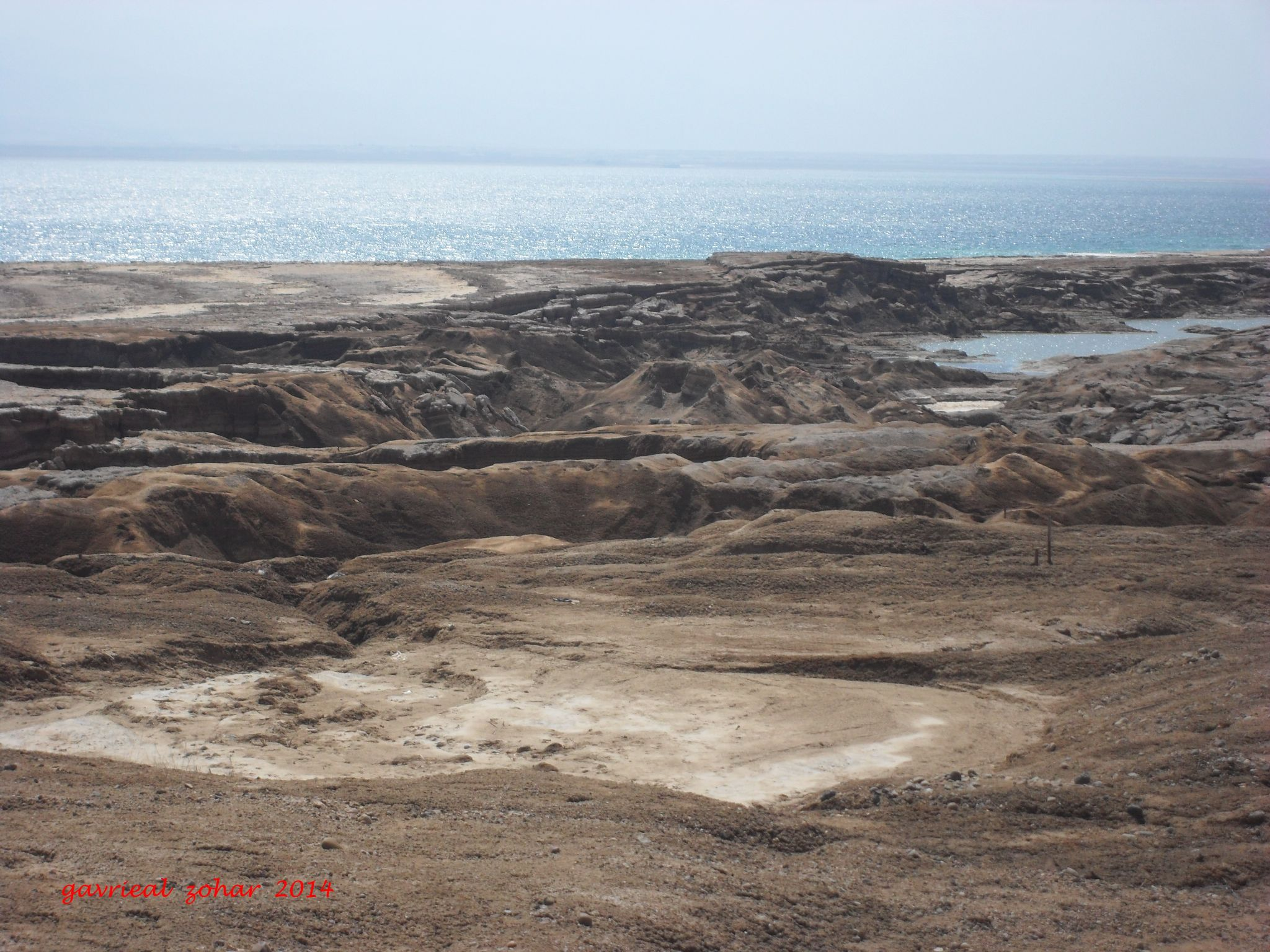 sink hole neer the dead sea by gavriealzohar