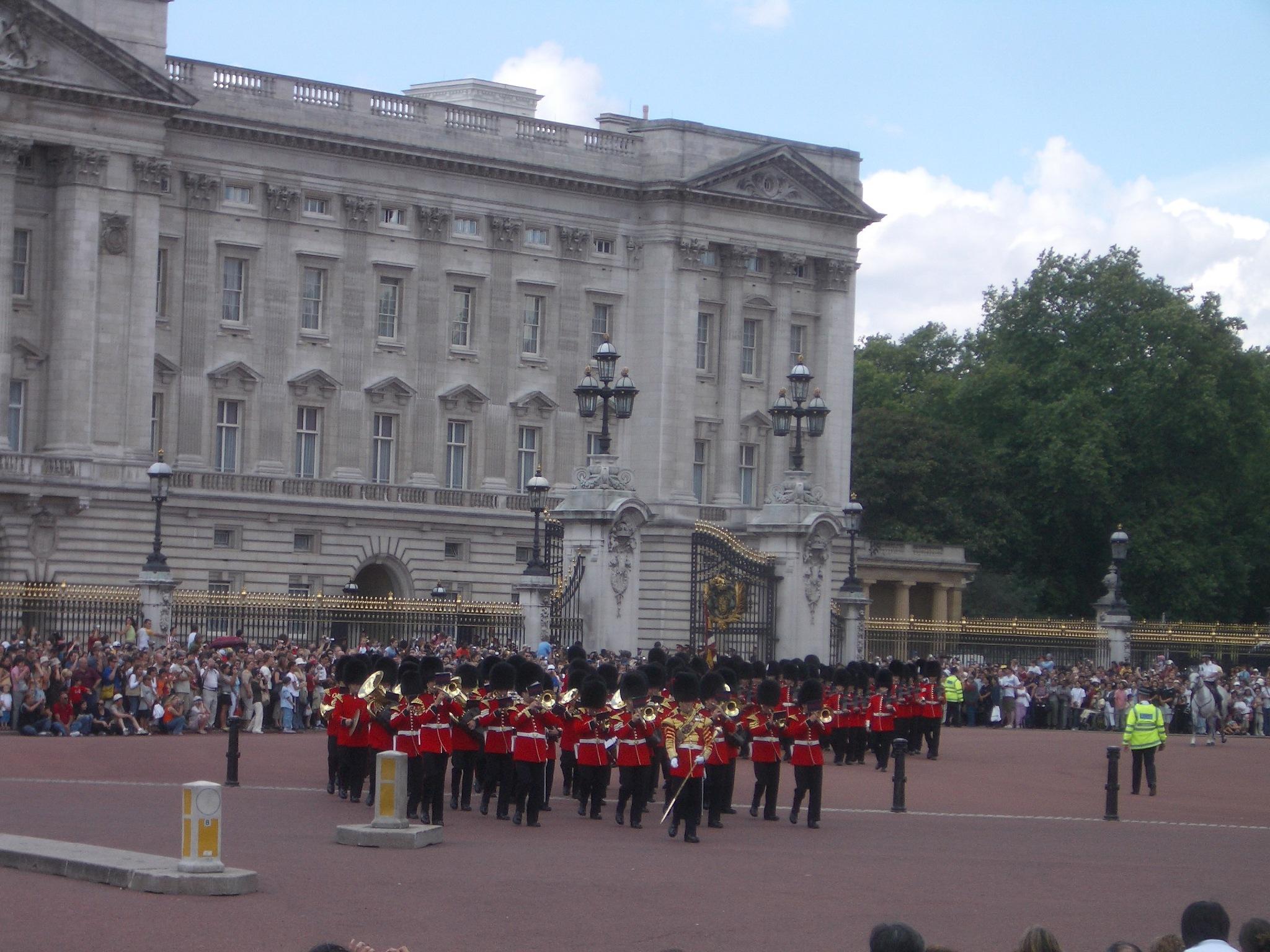 Buckingham Palace by Nathaniel Smelser