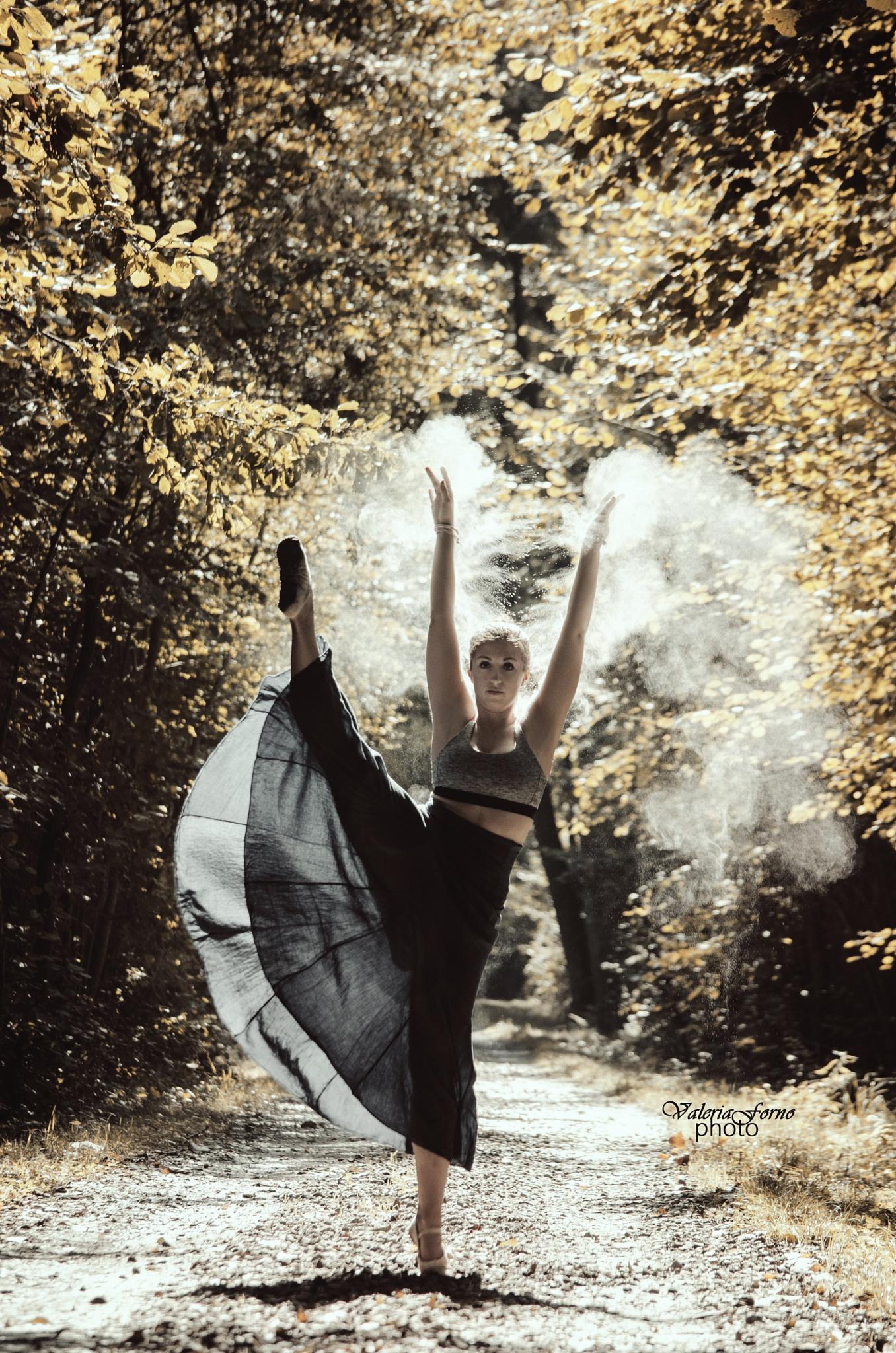 Magic dancer by Valeria Forno
