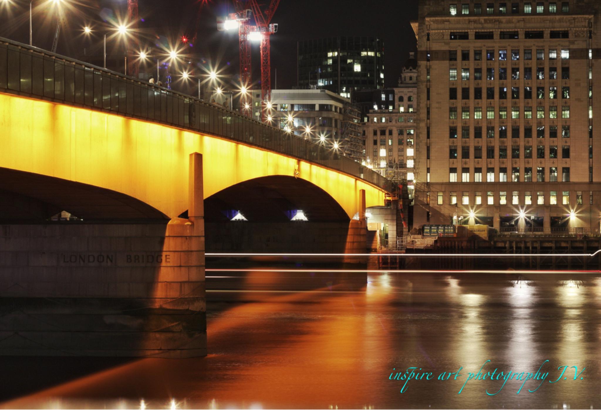 London bridge  by Jozef Valenta