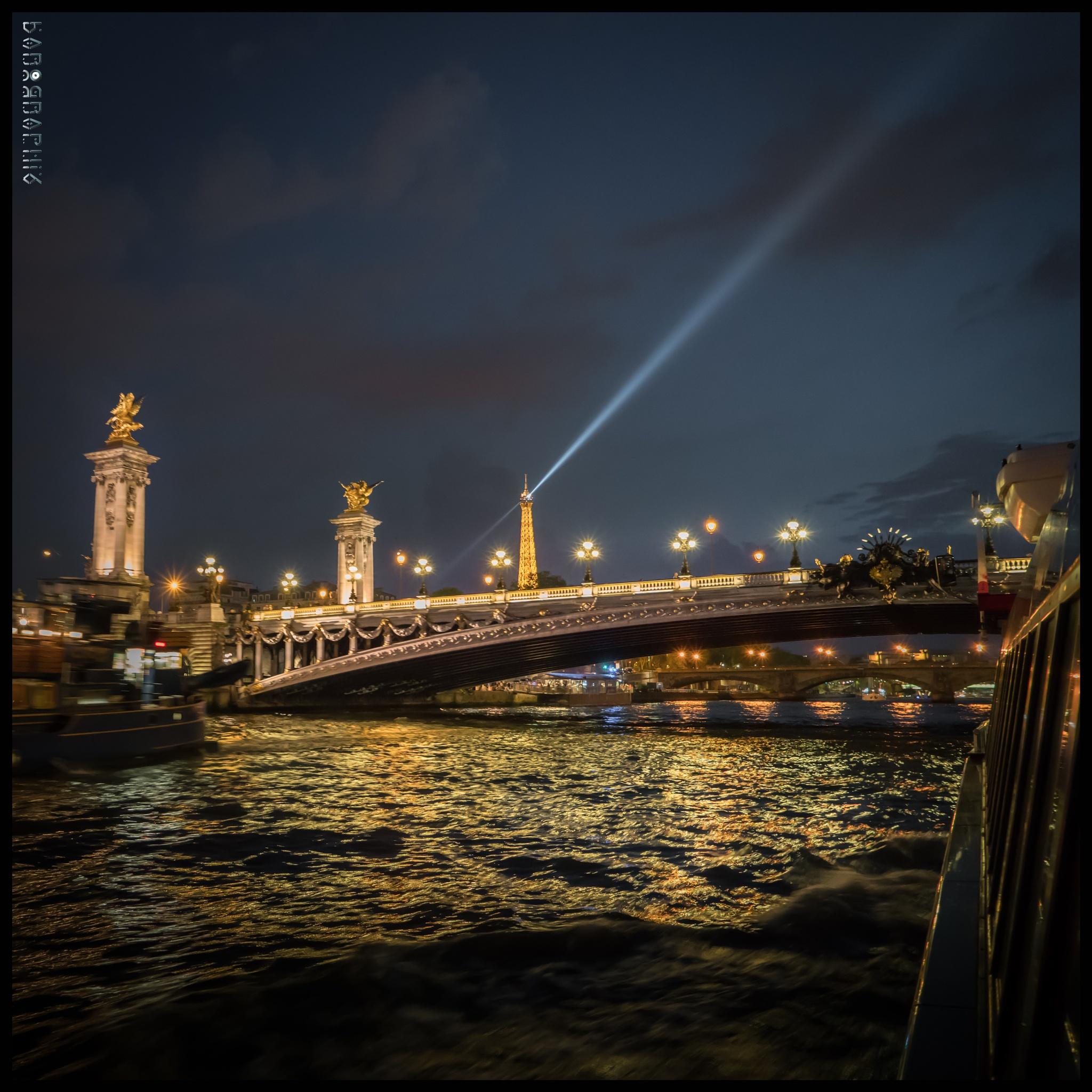 On the river Seine by Karographix