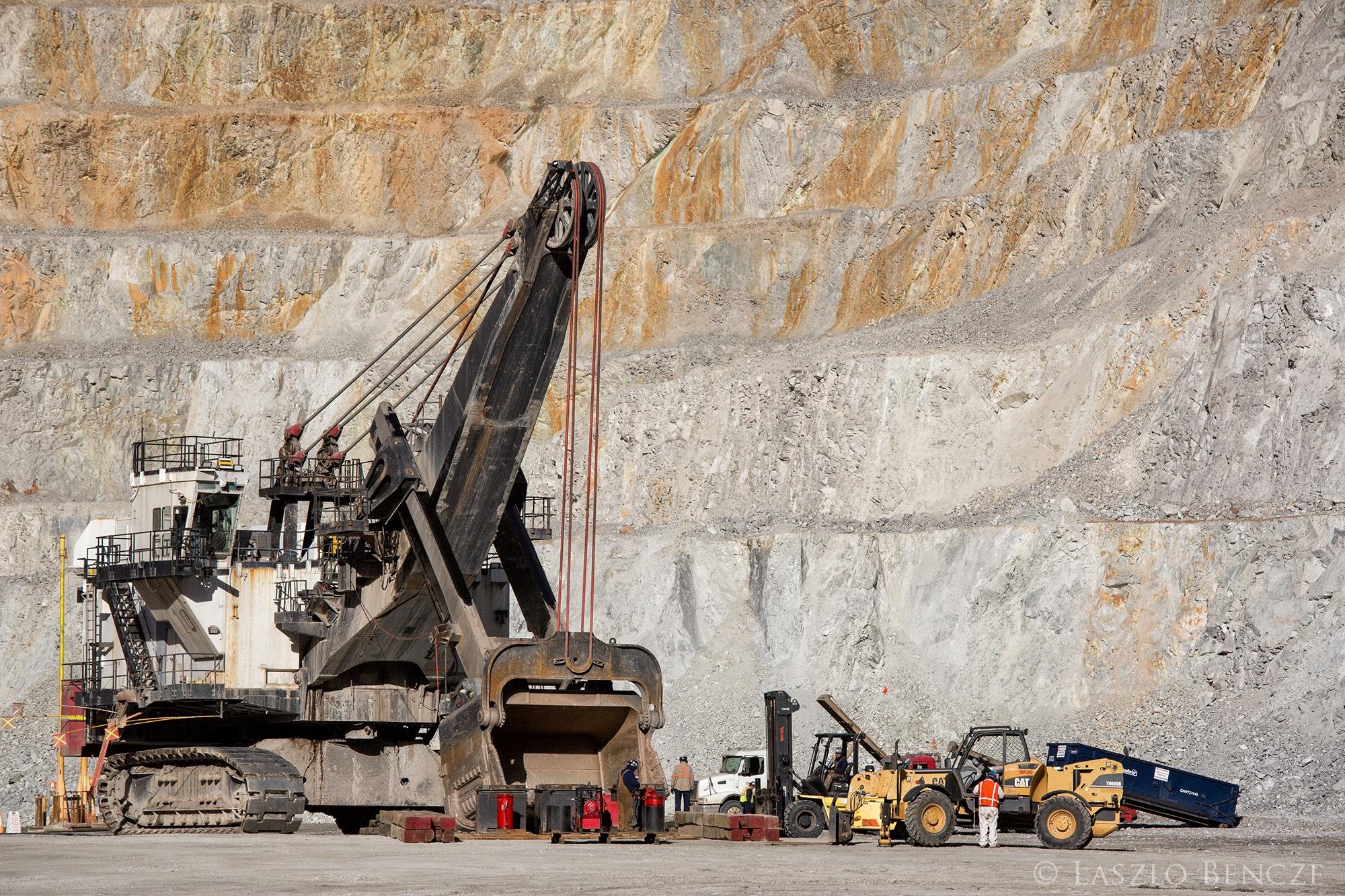 Photo in Industrial #shovel #mining #mining shovel #mine #copper #copper mine #heavy equipment