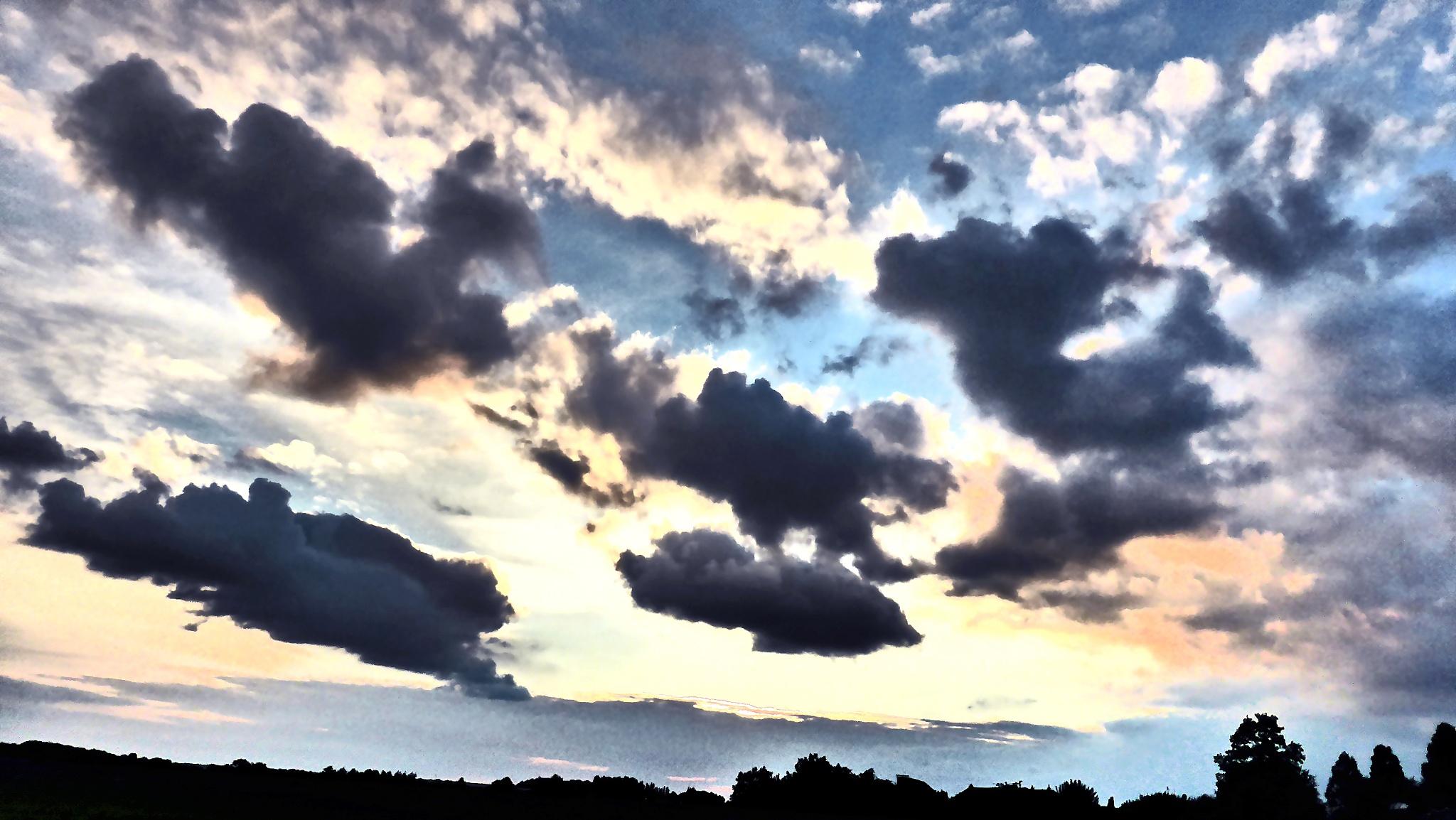 Evening sky by Gernot Schwarz