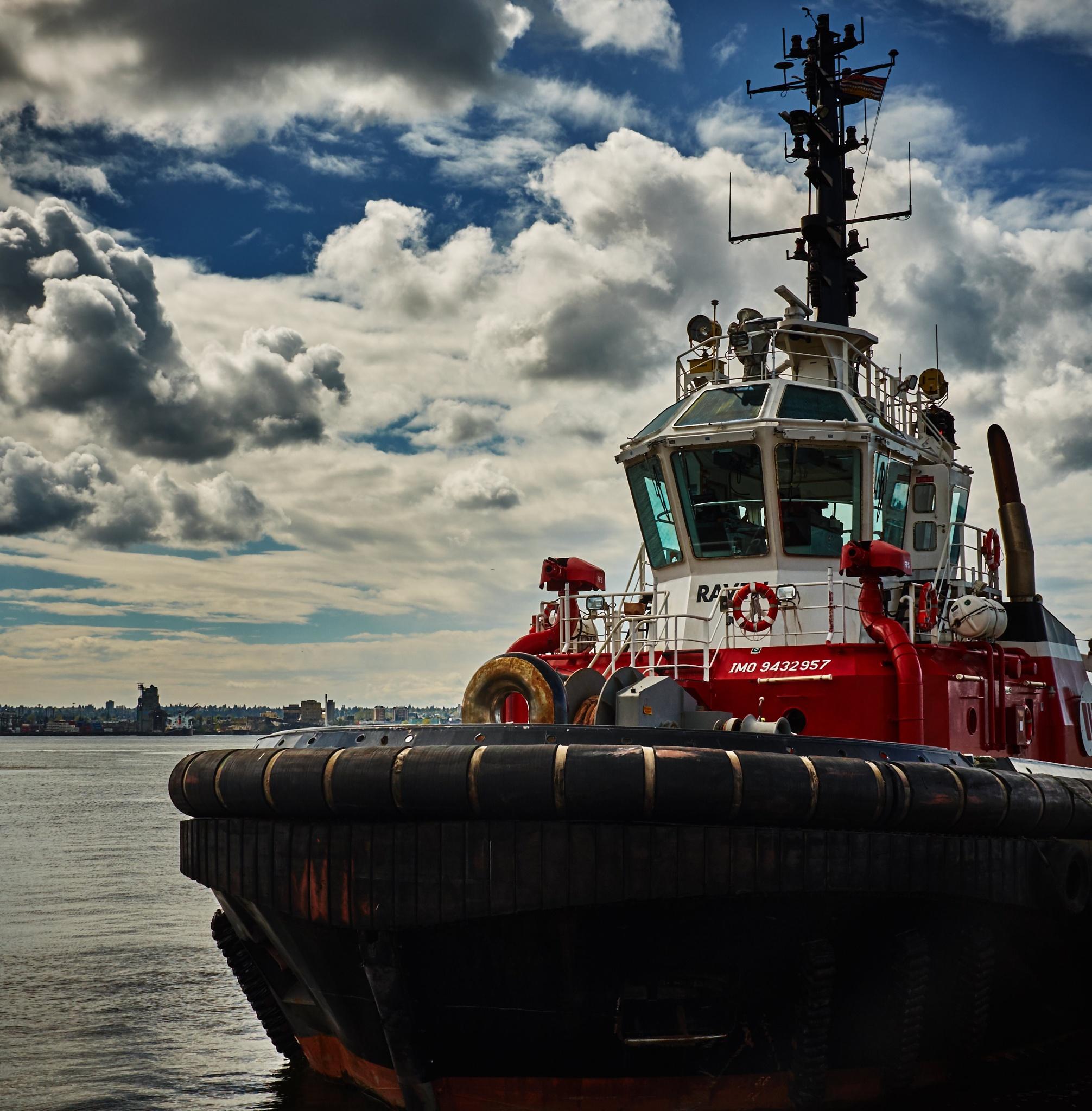 Tug boat by Greg Mullaly