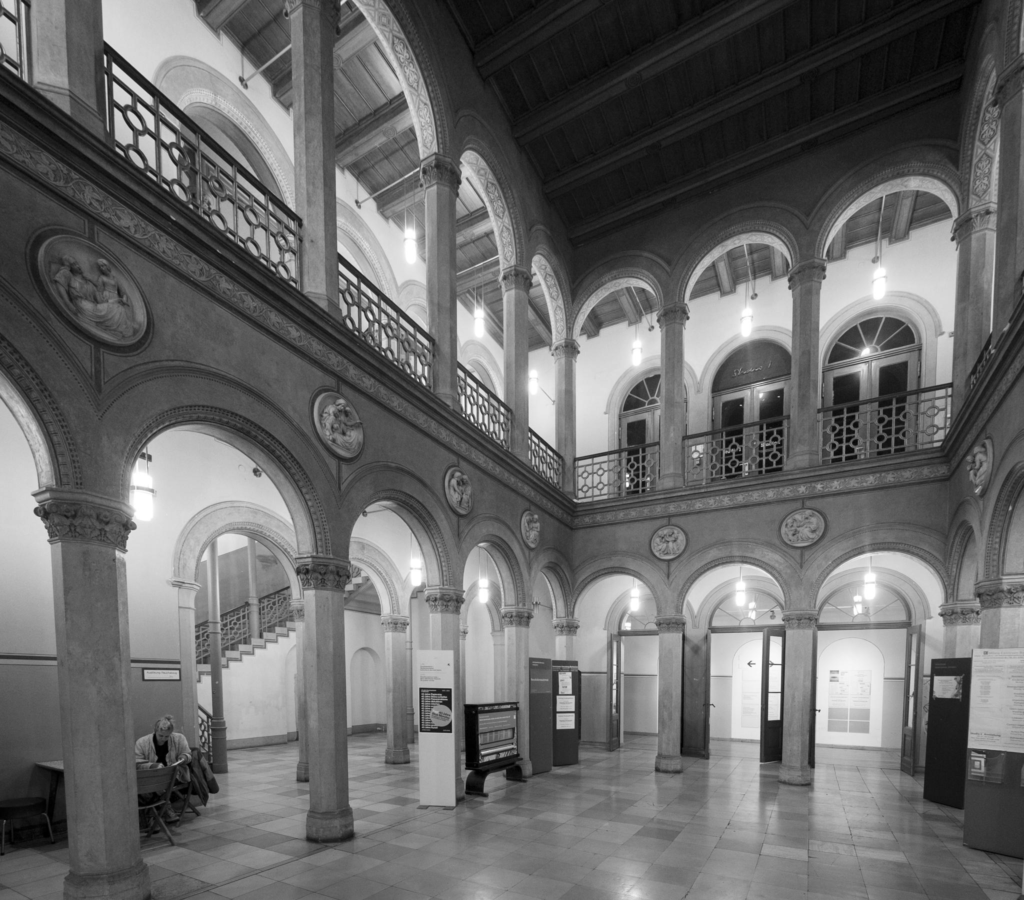 Bethanien entrance hall by Ulrich Gerndt