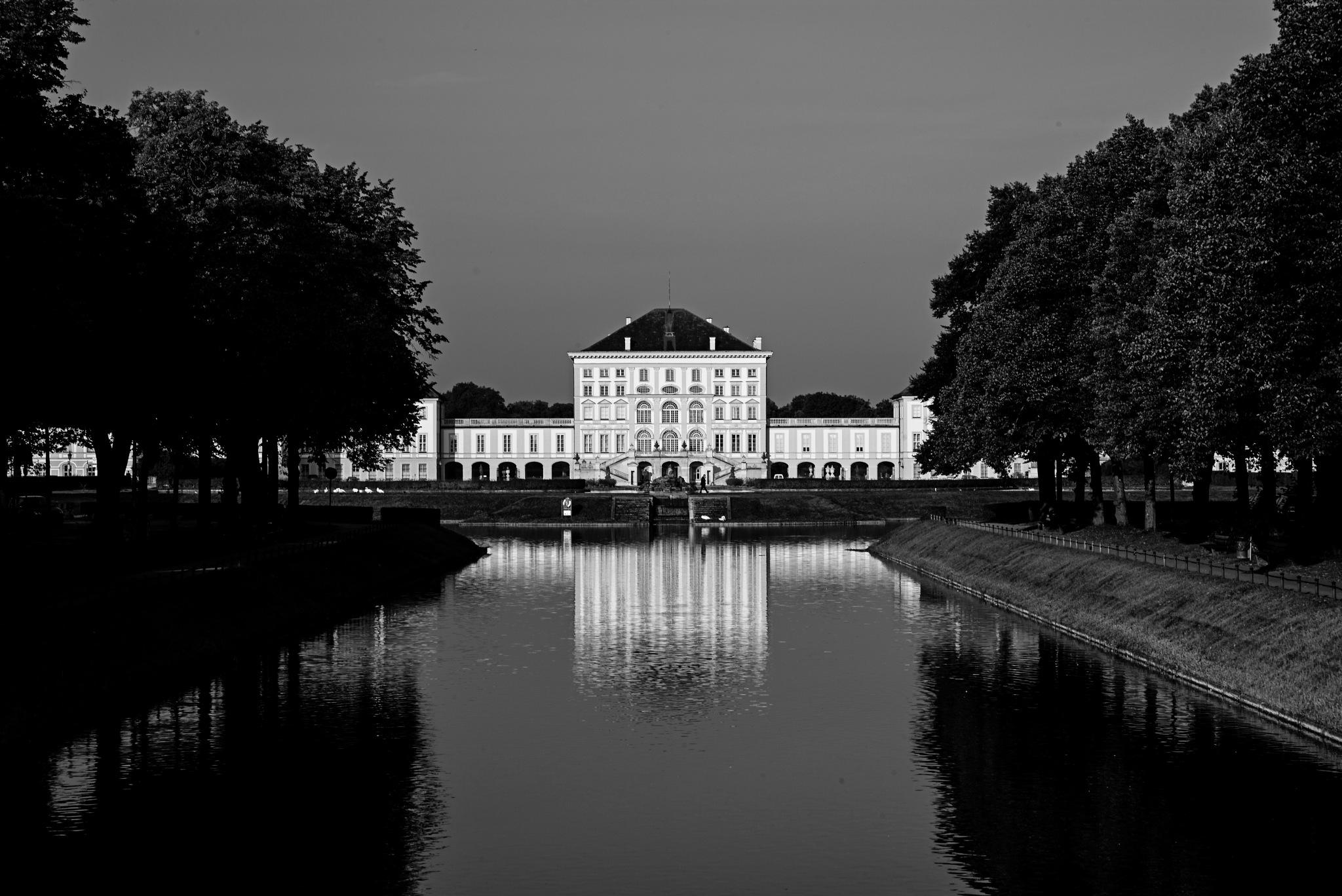 Nymphenburger Schloss by Ulrich Gerndt