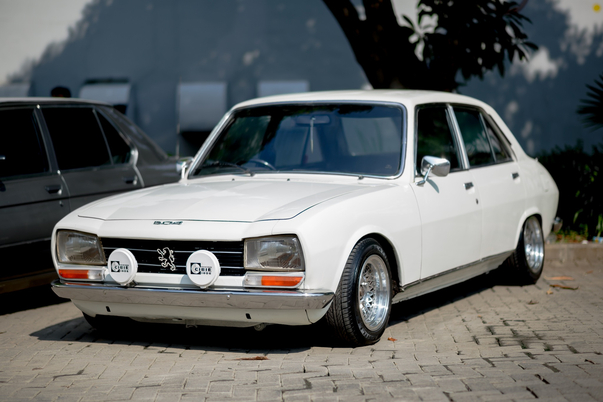 Adorable French Mate: Peugeot 504 by gettinlow